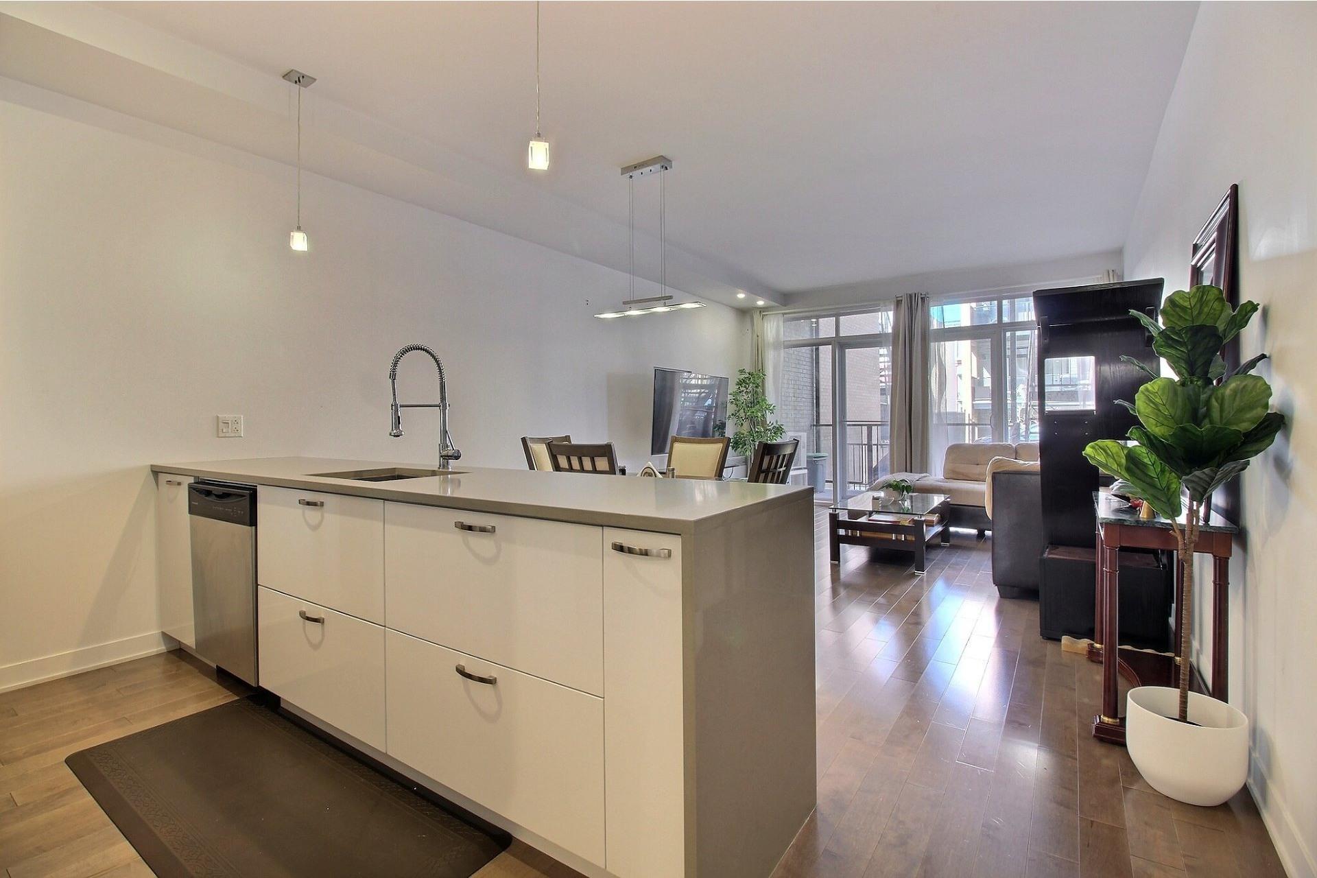 image 12 - Apartment For sale Ville-Marie Montréal  - 3 rooms