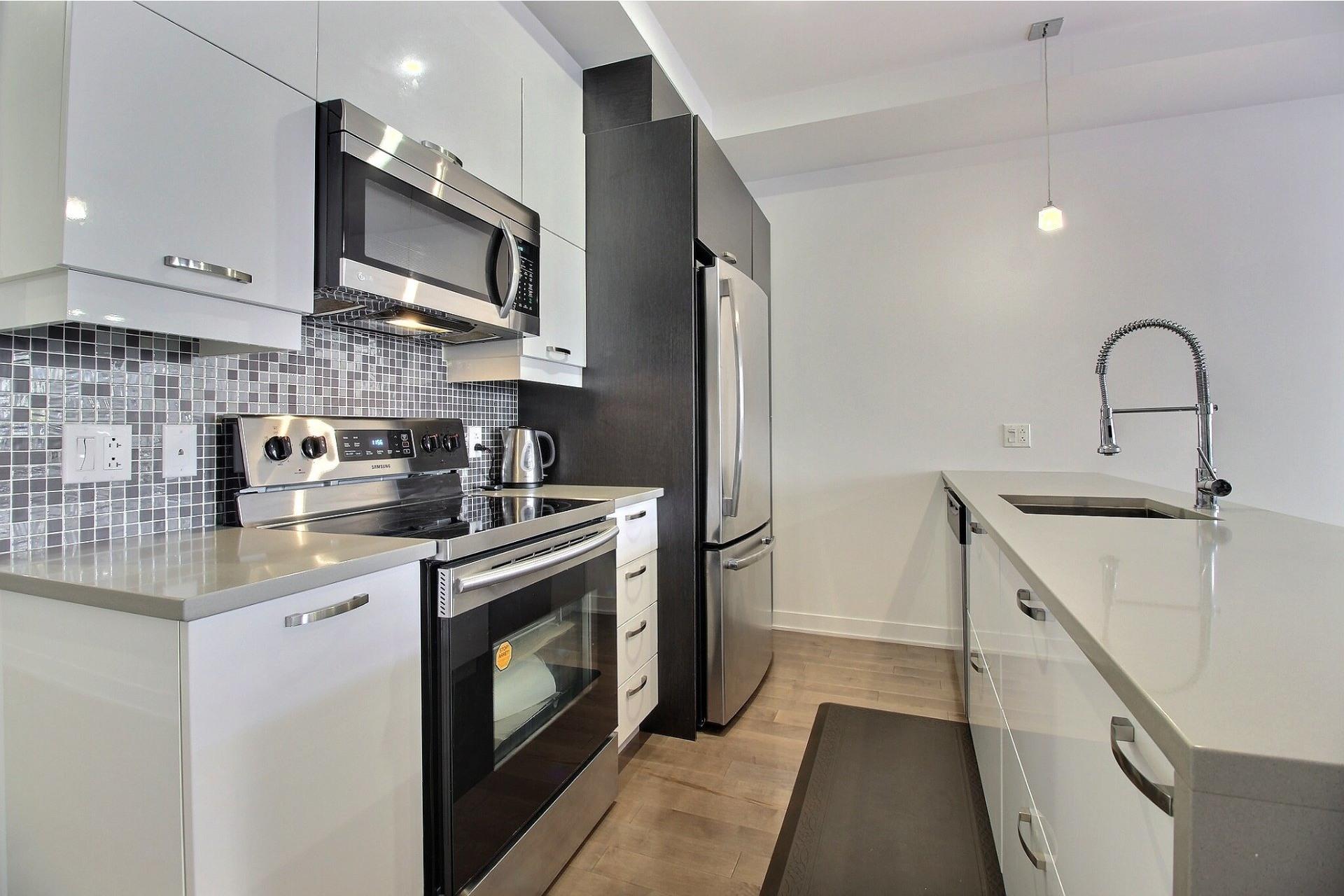 image 13 - Apartment For sale Ville-Marie Montréal  - 3 rooms
