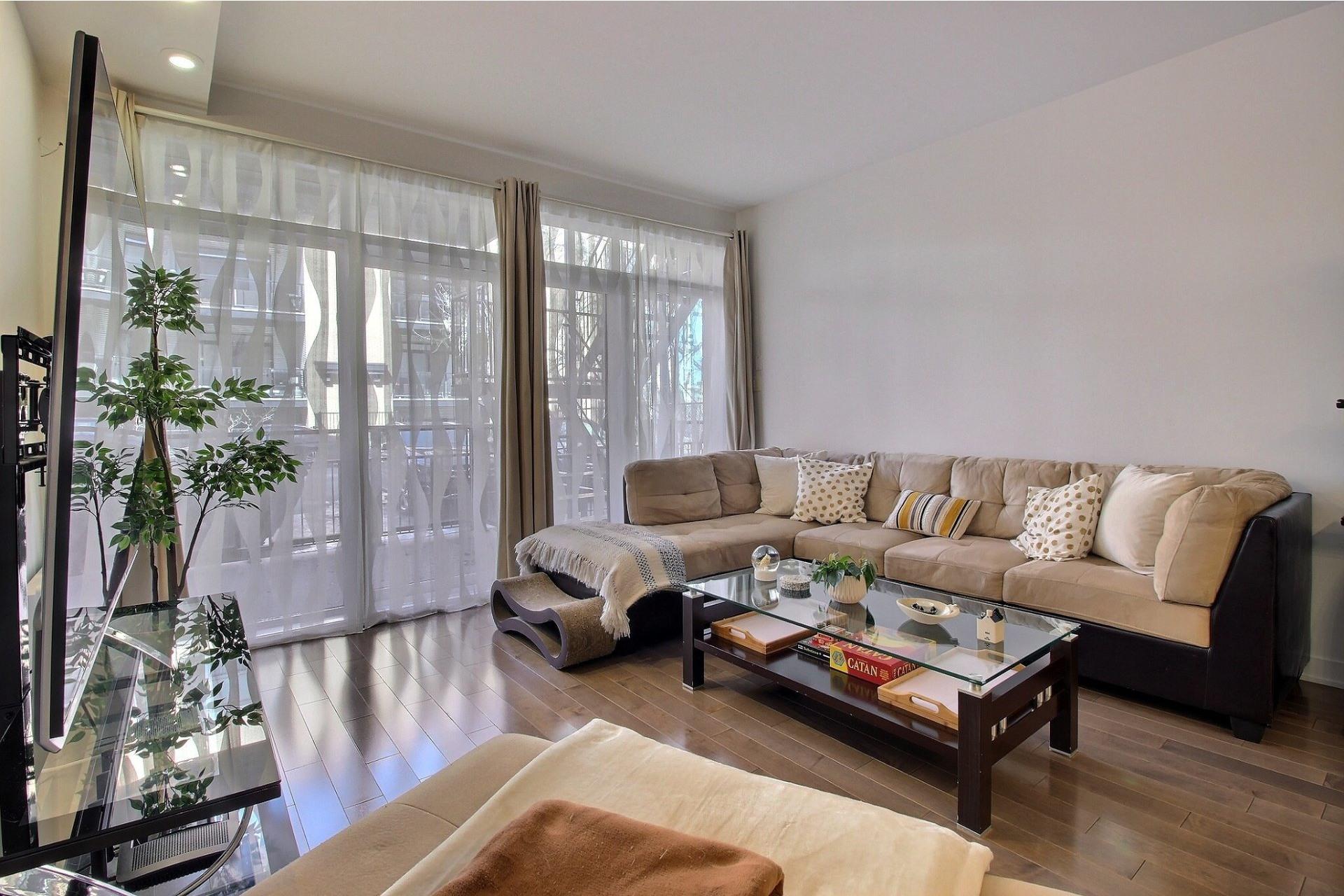 image 3 - Apartment For sale Ville-Marie Montréal  - 3 rooms
