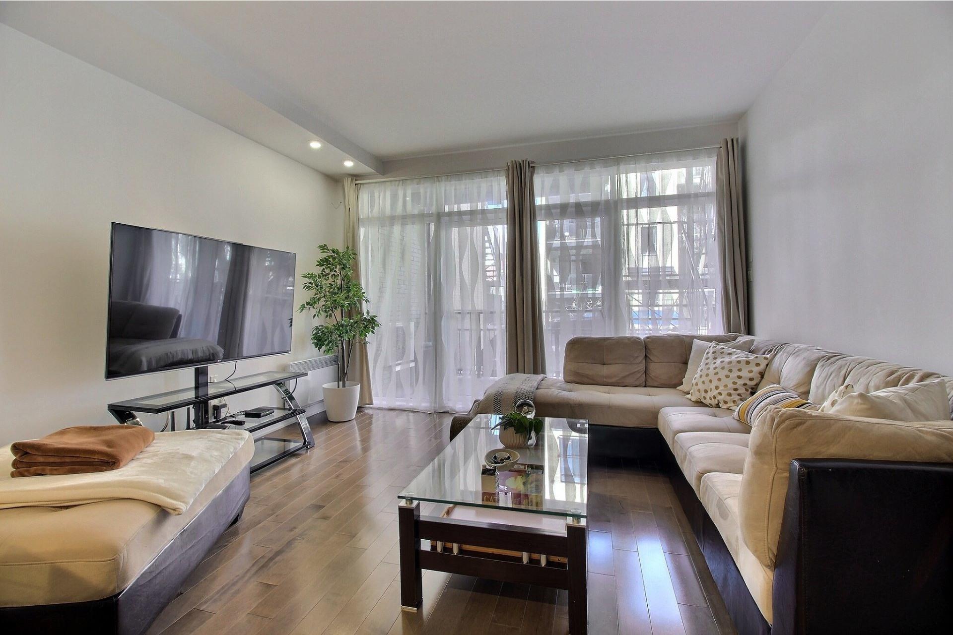 image 2 - Apartment For sale Ville-Marie Montréal  - 3 rooms