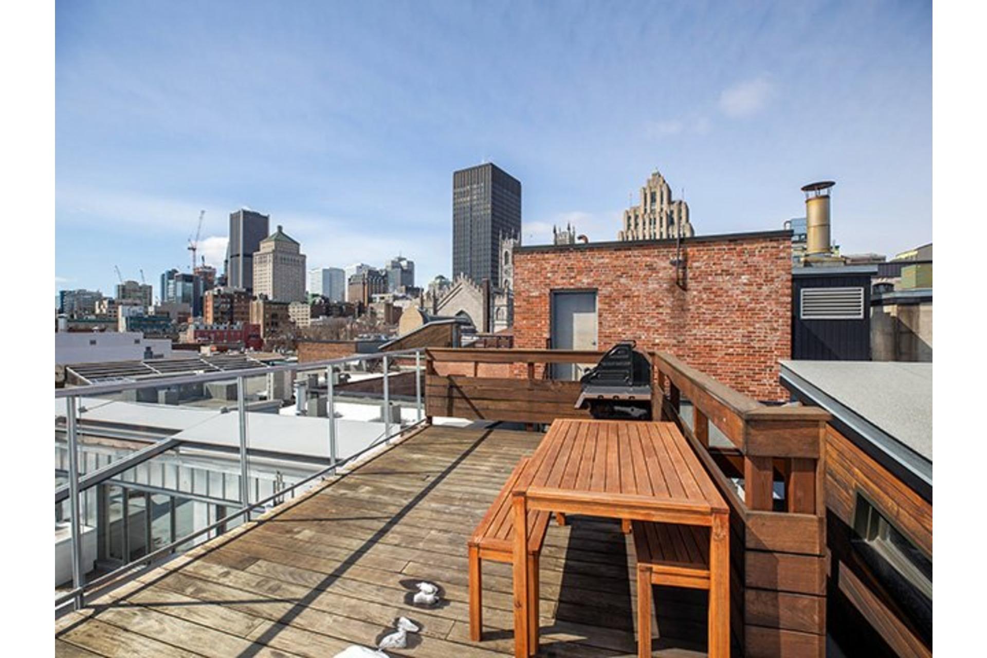 image 12 - Apartment For rent Ville-Marie Montréal  - 6 rooms