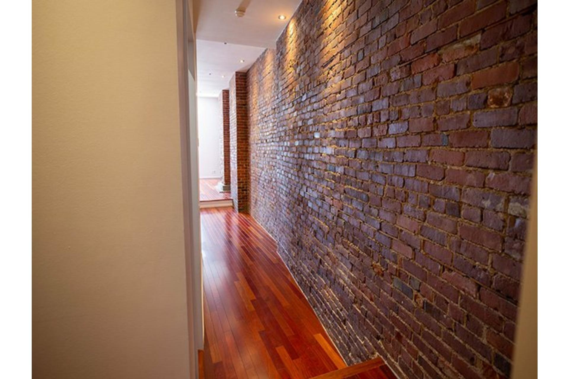 image 18 - Apartment For rent Ville-Marie Montréal  - 6 rooms