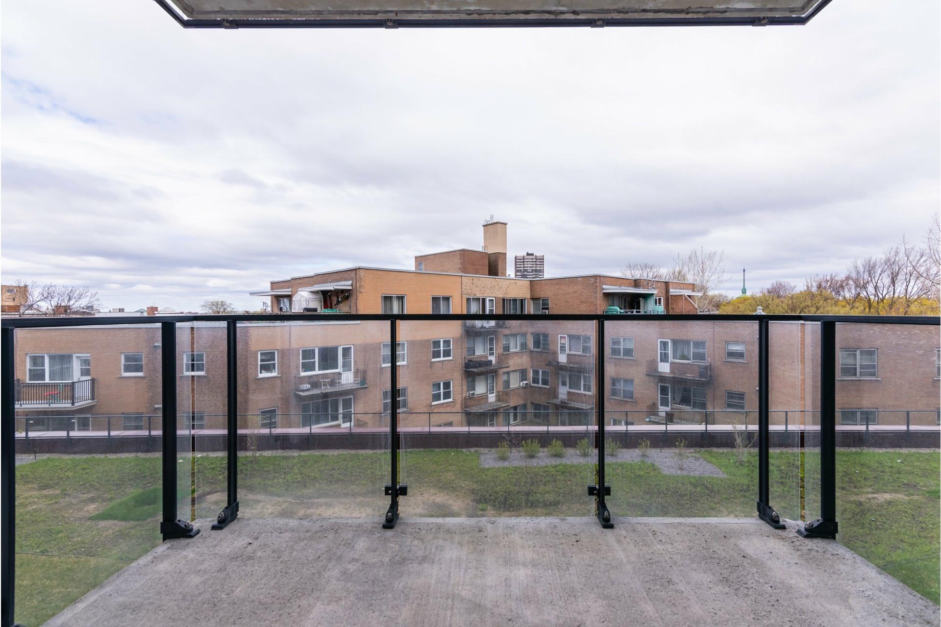 image 15 - Appartement À louer Côte-des-Neiges/Notre-Dame-de-Grâce Montréal  - 6 pièces