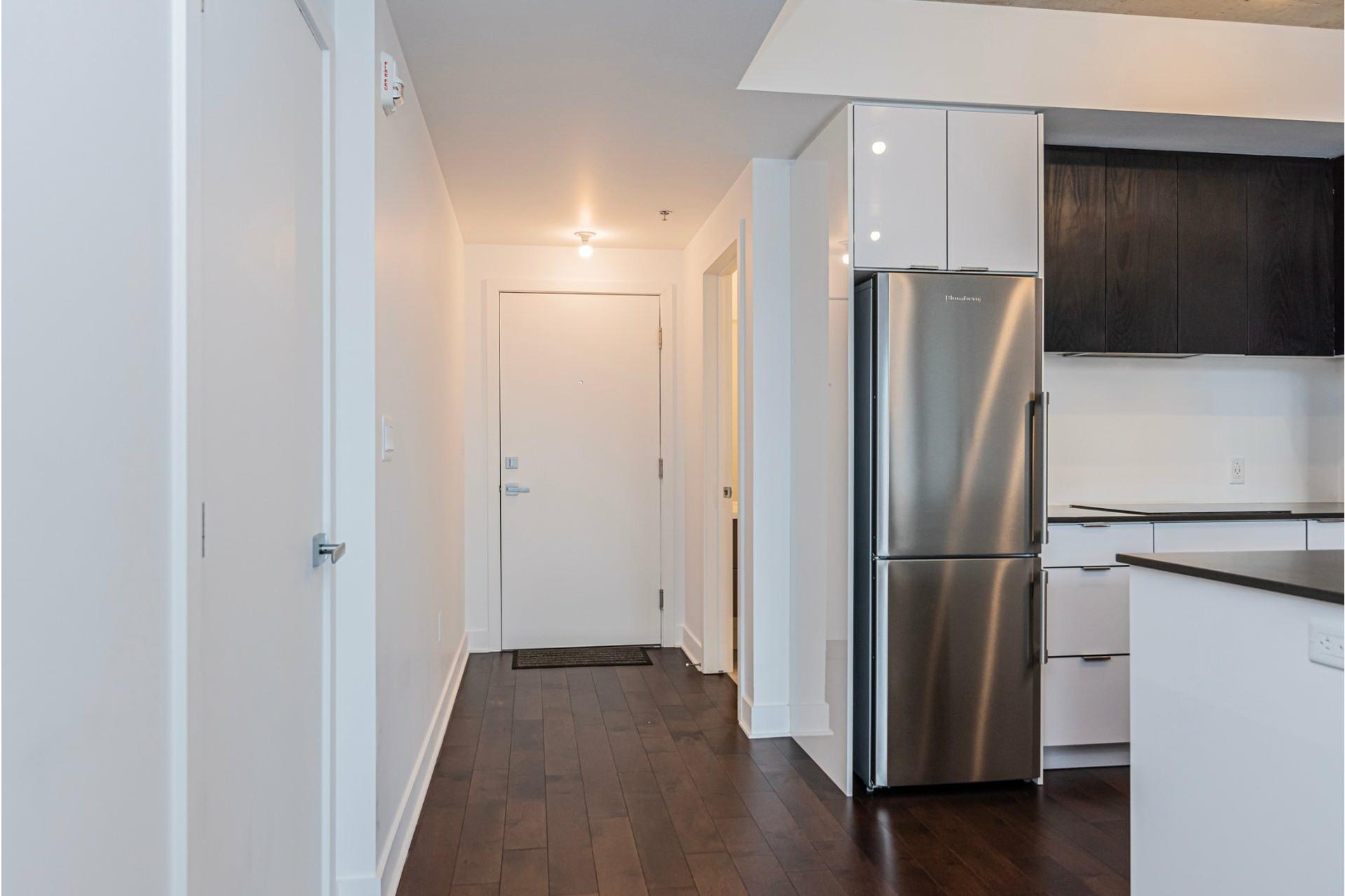 image 3 - Appartement À louer Côte-des-Neiges/Notre-Dame-de-Grâce Montréal  - 6 pièces