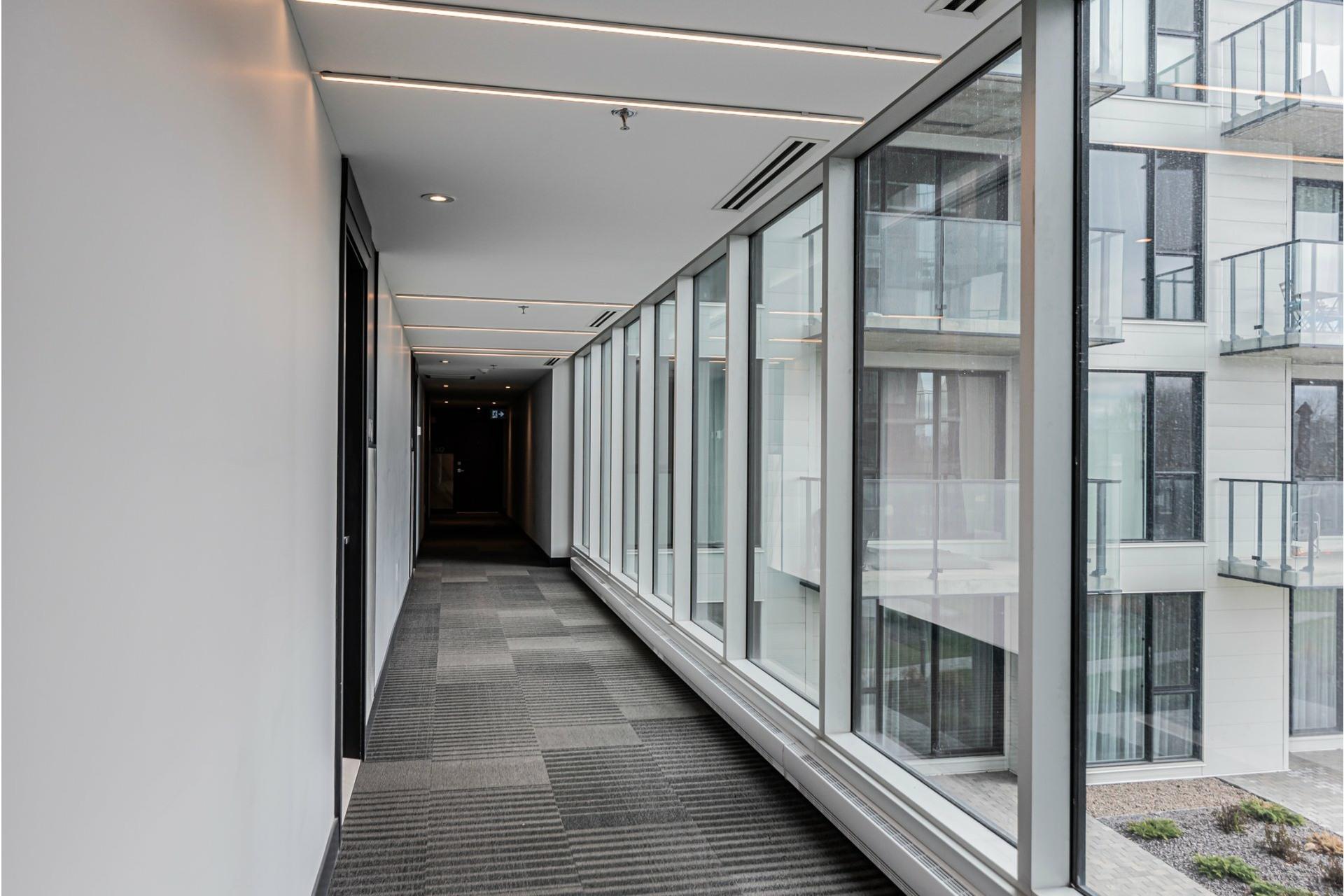 image 16 - Appartement À louer Côte-des-Neiges/Notre-Dame-de-Grâce Montréal  - 6 pièces