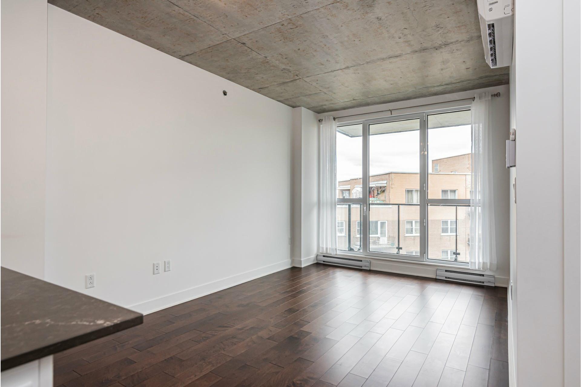 image 8 - Appartement À louer Côte-des-Neiges/Notre-Dame-de-Grâce Montréal  - 6 pièces