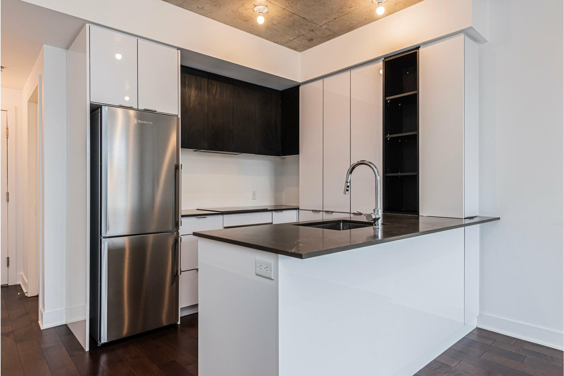 image 5 - Appartement À louer Côte-des-Neiges/Notre-Dame-de-Grâce Montréal  - 6 pièces