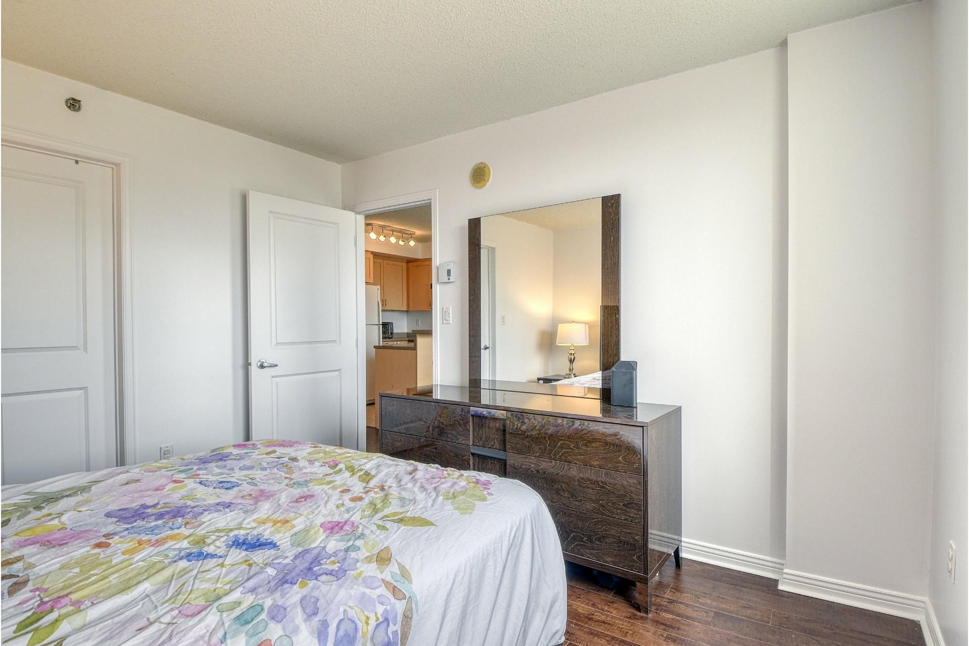 image 11 - Apartment For sale Ville-Marie Montréal  - 4 rooms