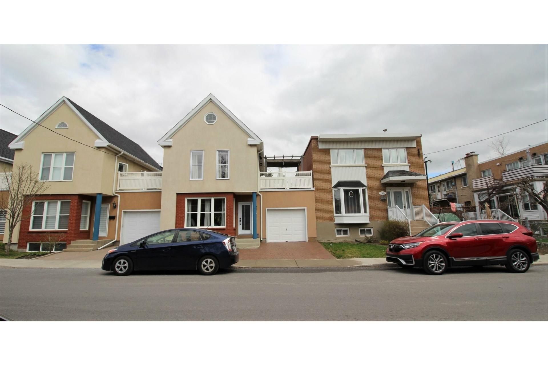 image 0 - House For sale Mercier/Hochelaga-Maisonneuve Montréal  - 7 rooms
