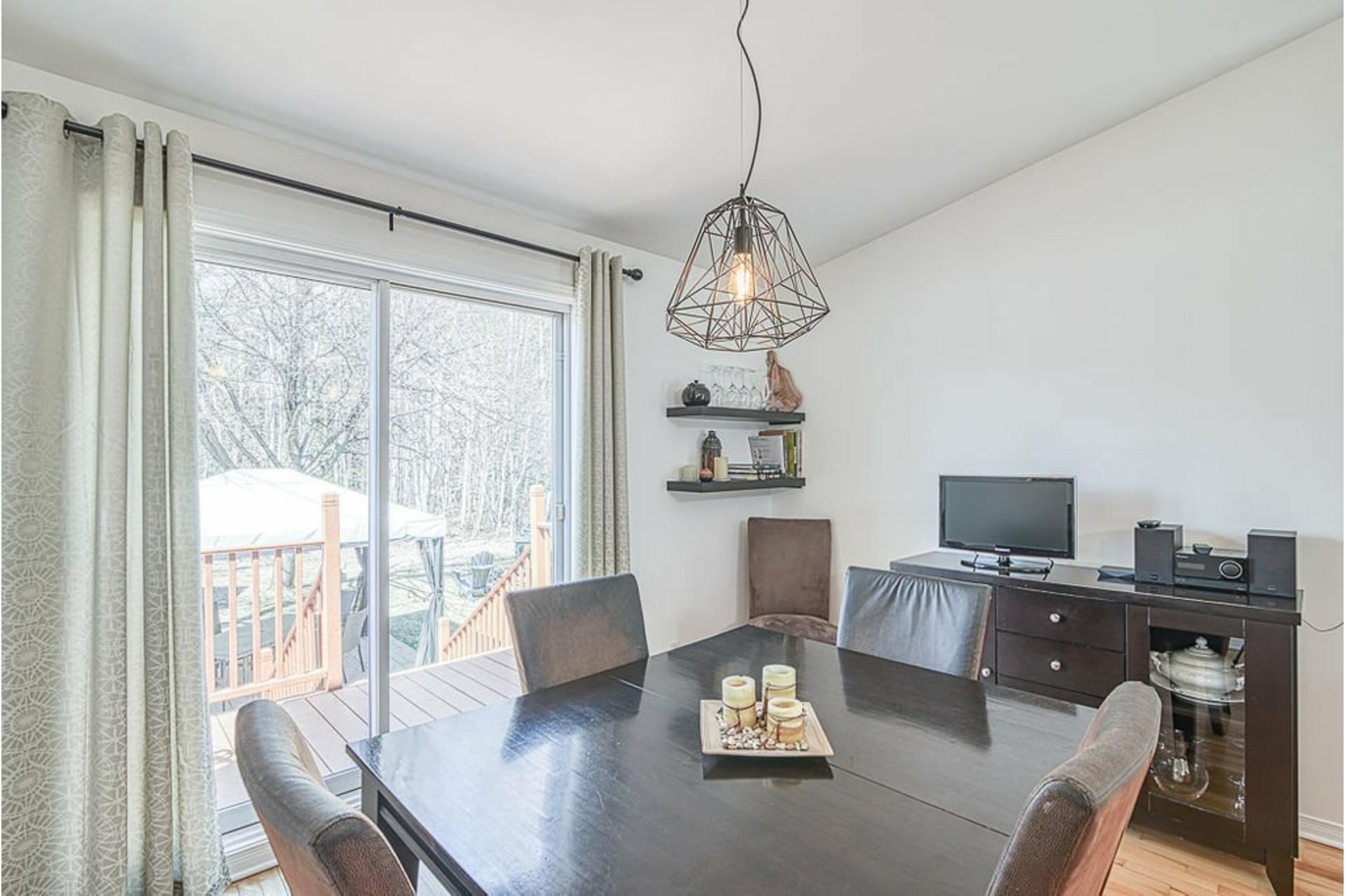 image 4 - Maison À vendre Sainte-Anne-des-Plaines - 9 pièces