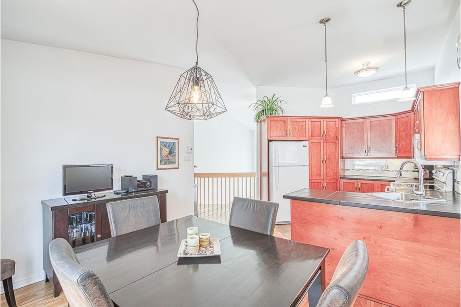 image 3 - Maison À vendre Sainte-Anne-des-Plaines - 9 pièces