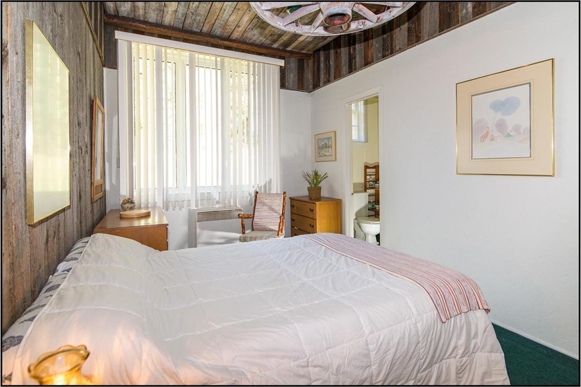 image 13 - House For sale Saint-Ferréol-les-Neiges - 12 rooms