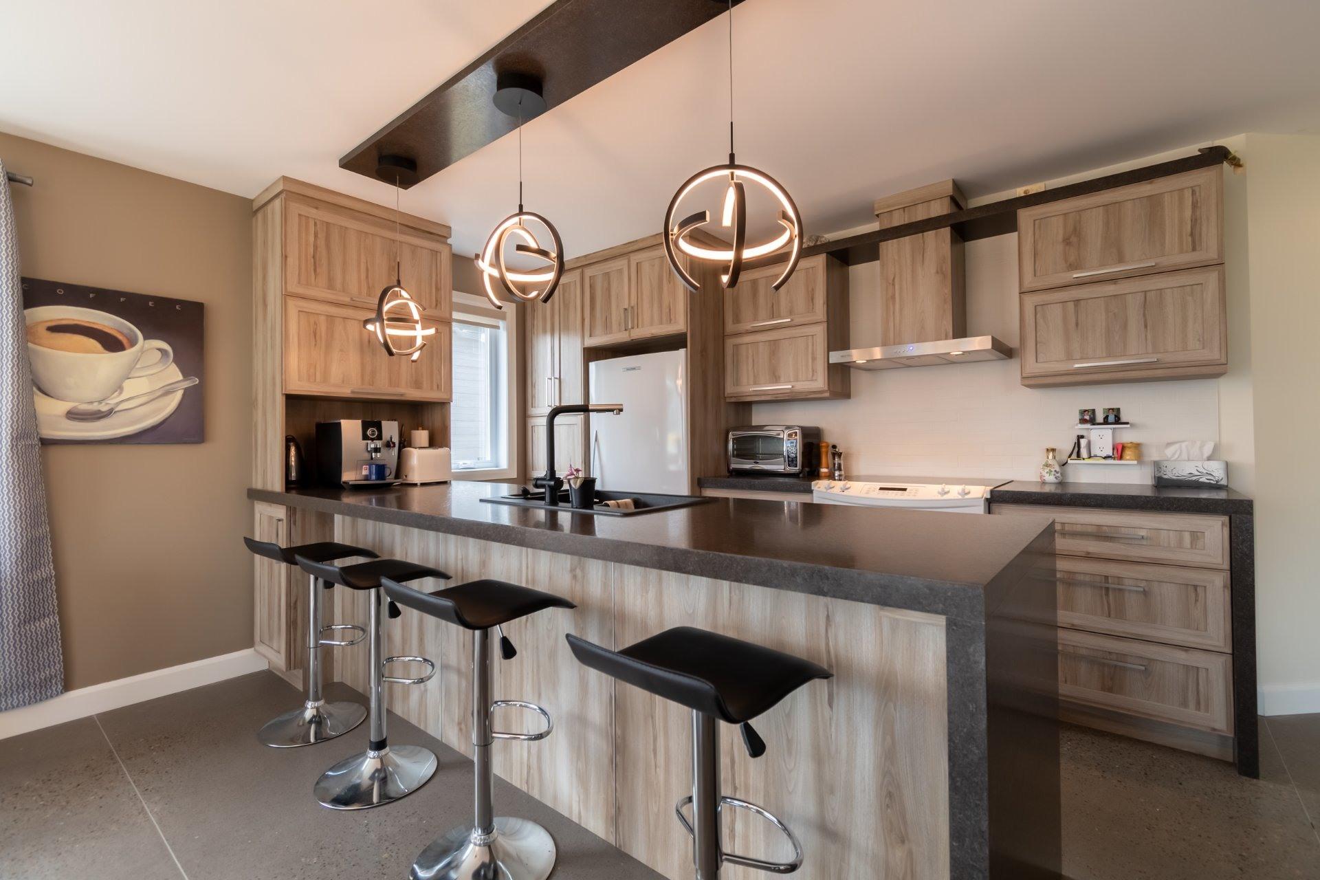 image 1 - Maison À vendre Trois-Rivières - 8 pièces