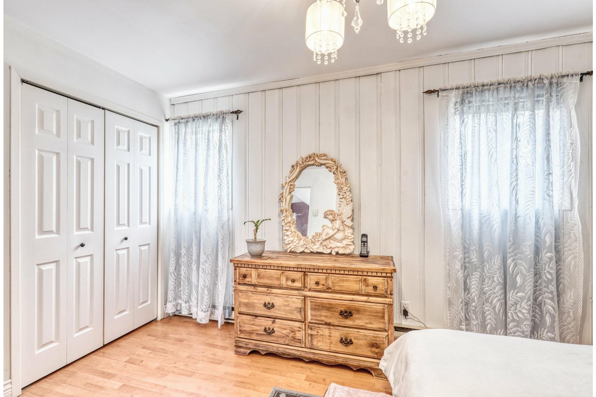 image 12 - House For sale Saint-Calixte - 6 rooms