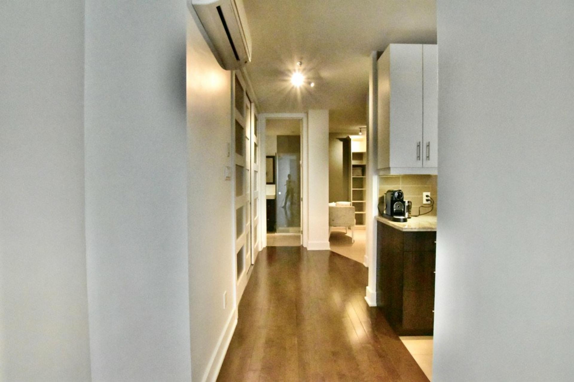 image 12 - Departamento Para alquiler Rosemont/La Petite-Patrie Montréal  - 8 habitaciones