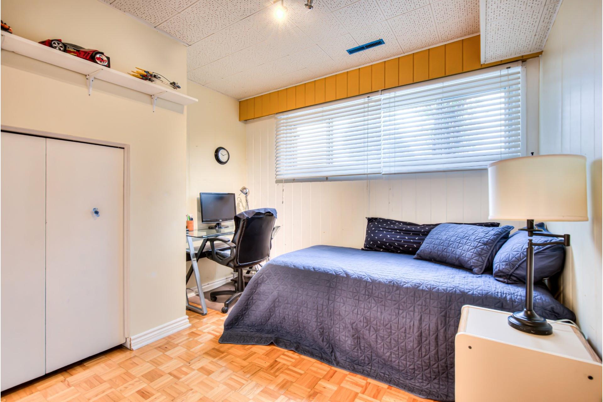 image 18 - House For sale Dollard-Des Ormeaux - 12 rooms