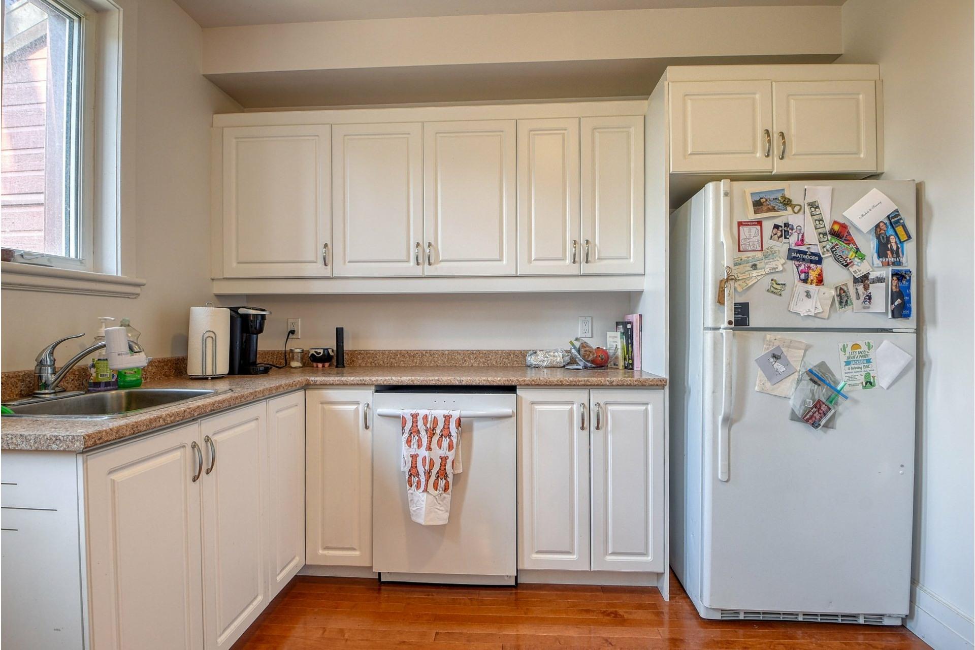 image 11 - Apartment For rent Côte-des-Neiges/Notre-Dame-de-Grâce Montréal  - 6 rooms