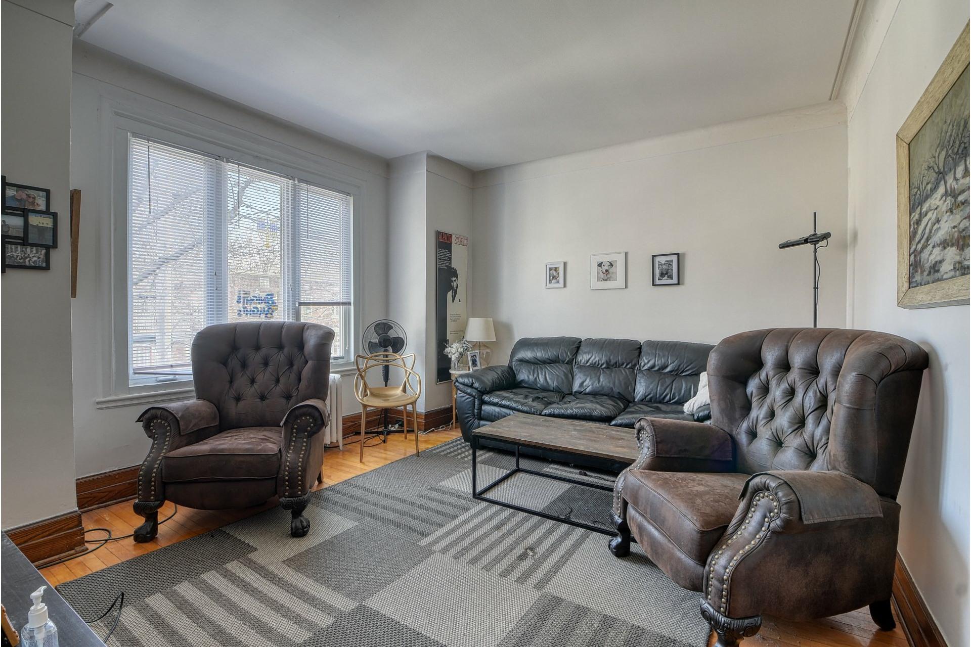 image 2 - Apartment For rent Côte-des-Neiges/Notre-Dame-de-Grâce Montréal  - 6 rooms