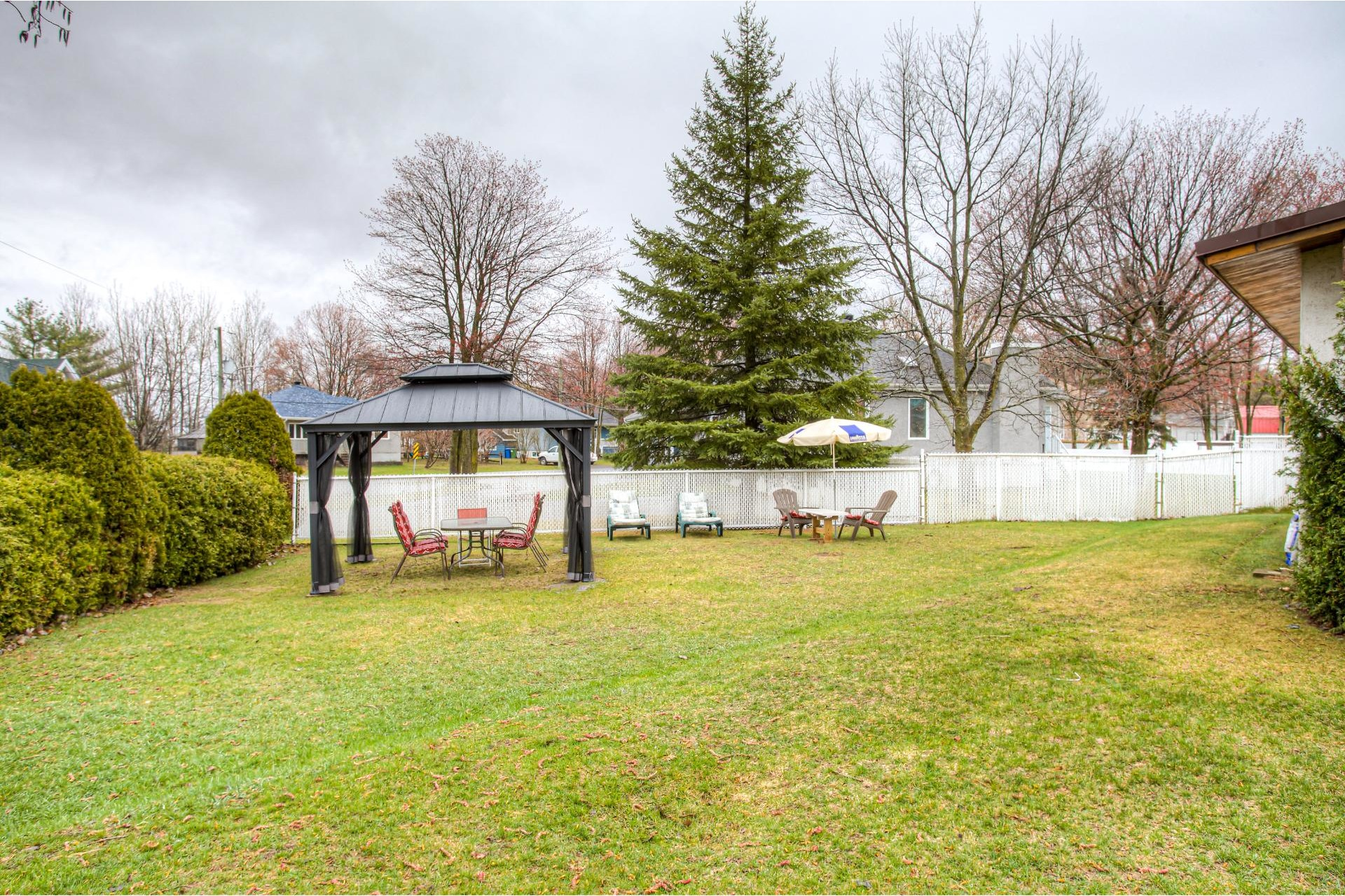 image 28 - House For sale Sainte-Anne-des-Plaines - 7 rooms