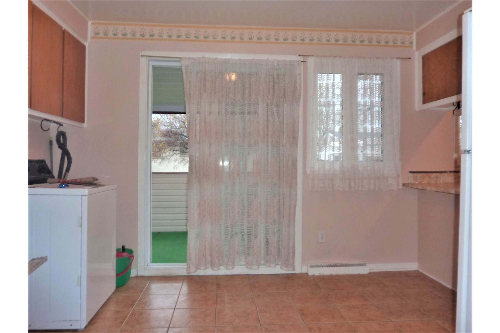 image 10 - House For sale Châteauguay - 8 rooms