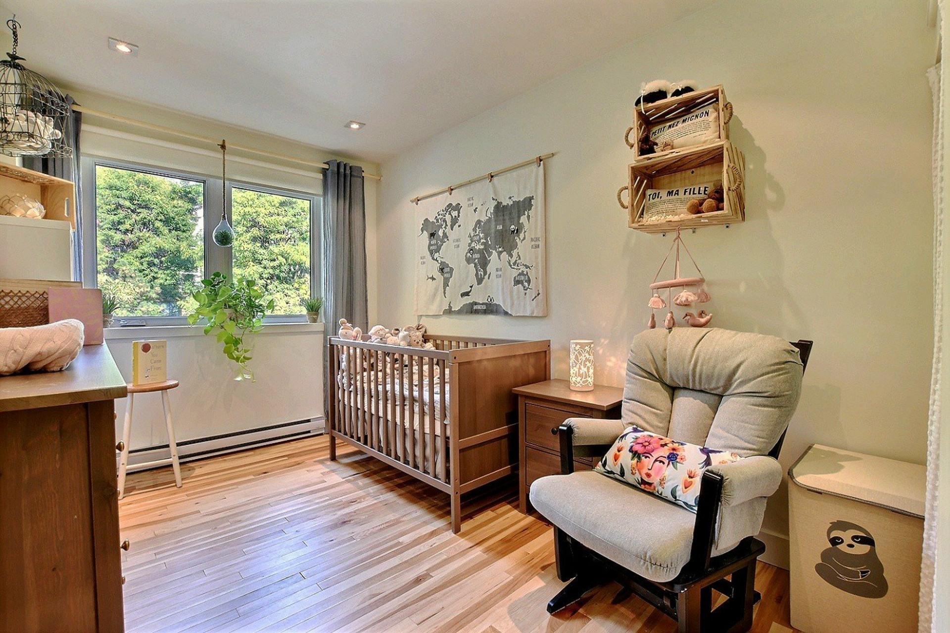 image 6 - House For rent Ville-Marie Montréal  - 6 rooms