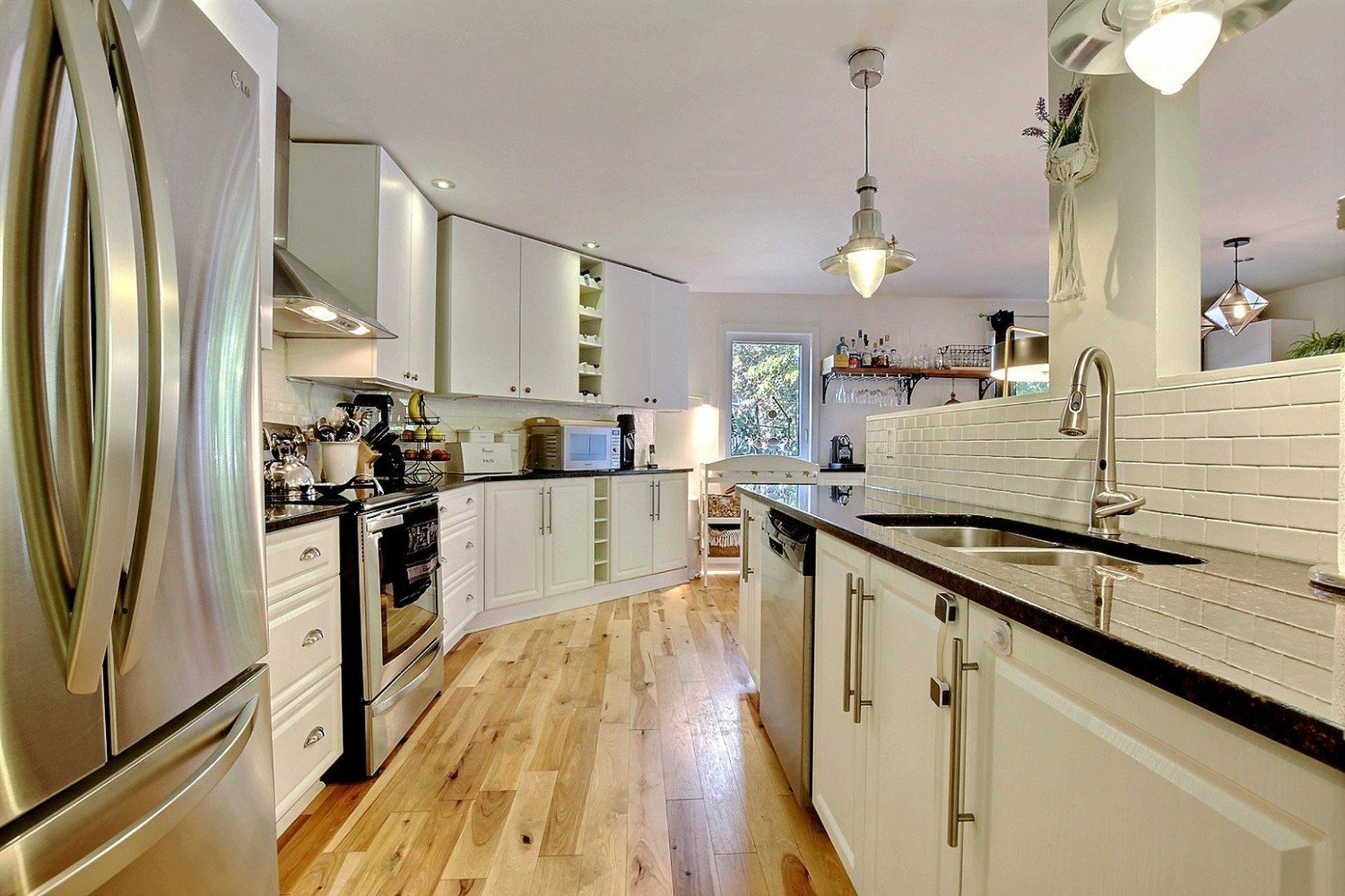 image 3 - House For rent Ville-Marie Montréal  - 6 rooms