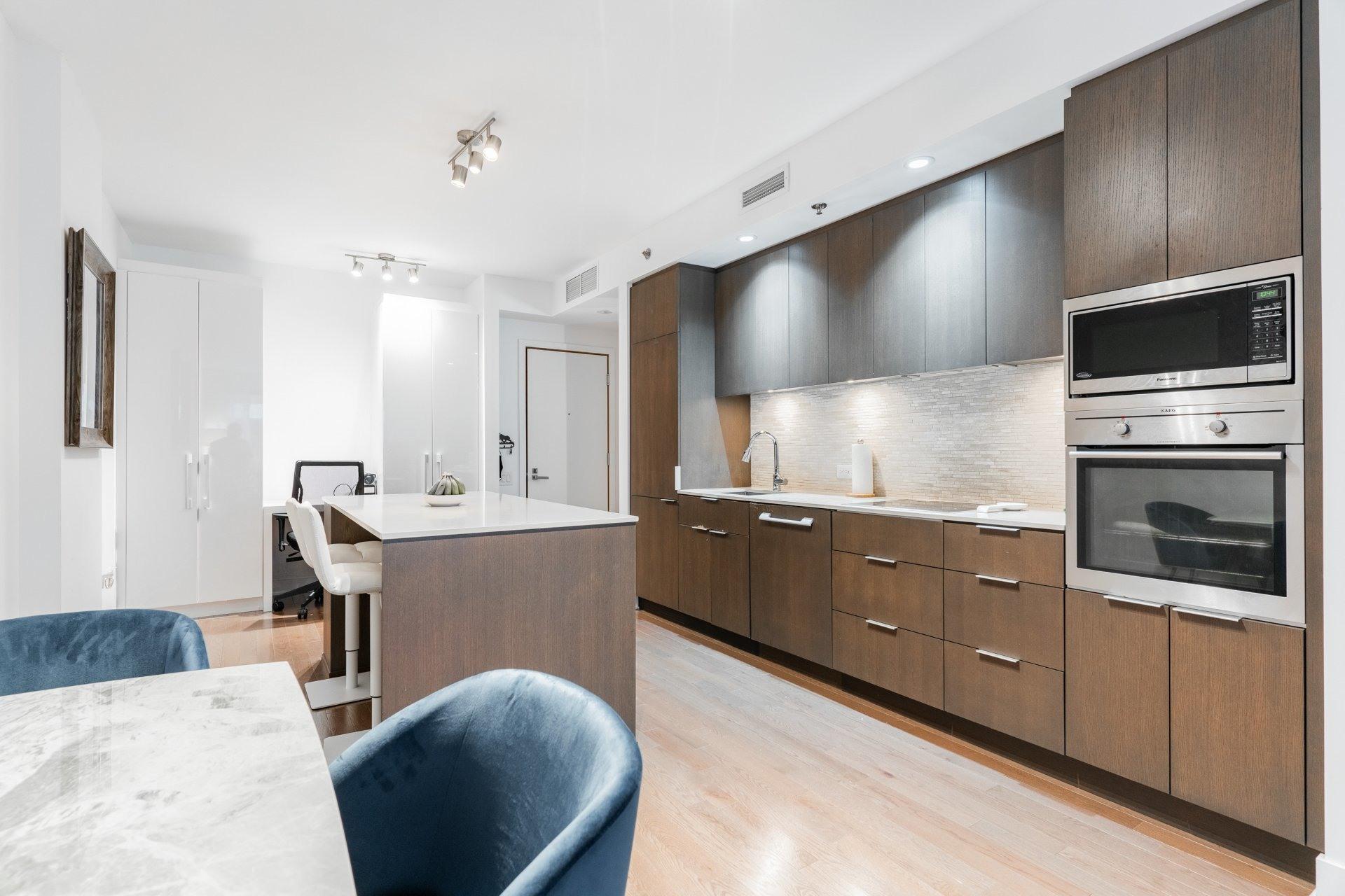 image 8 - Appartement À louer Le Sud-Ouest Montréal  - 3 pièces