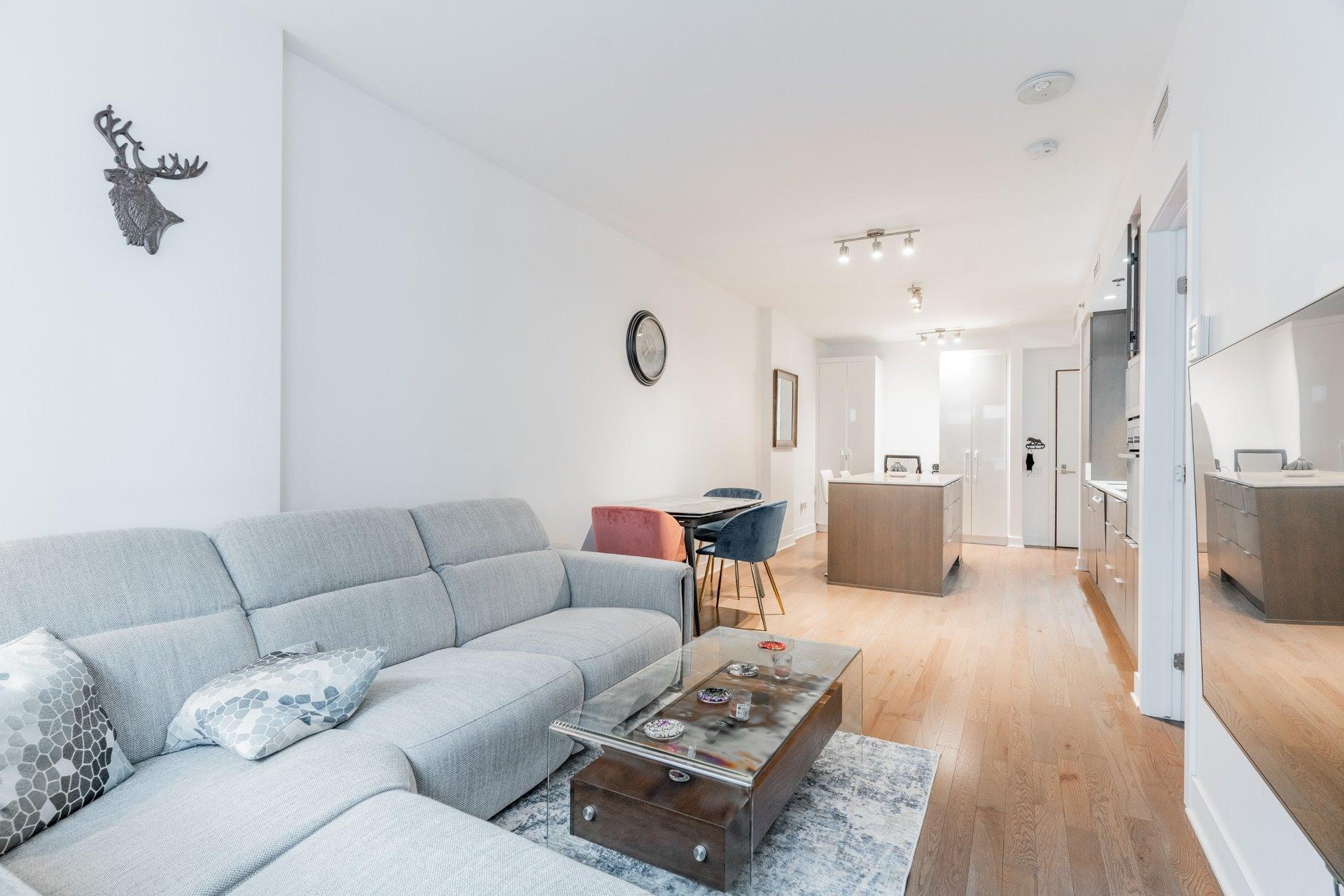 image 10 - Appartement À louer Le Sud-Ouest Montréal  - 3 pièces