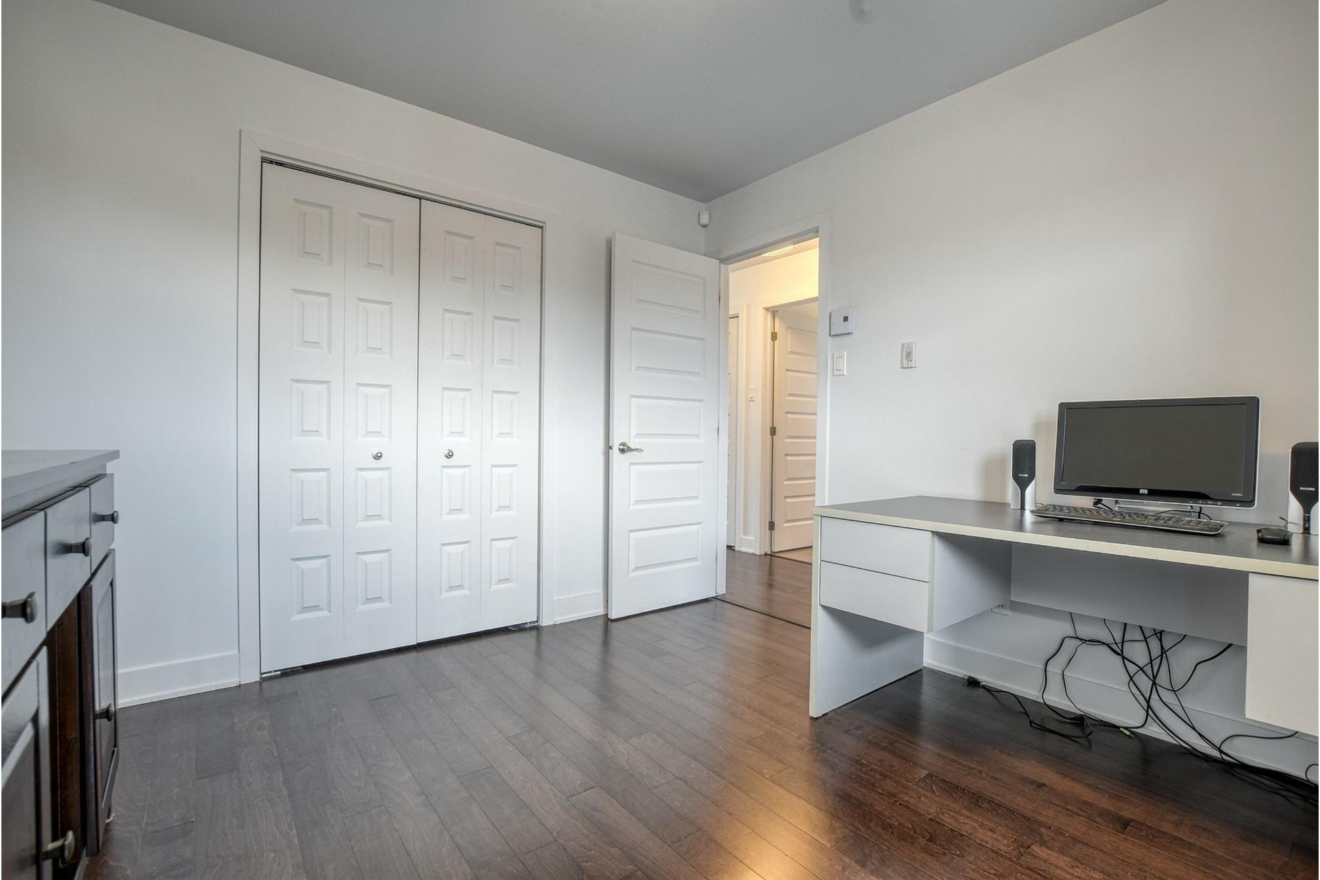 image 19 - Appartement À vendre Rivière-des-Prairies/Pointe-aux-Trembles Montréal  - 11 pièces