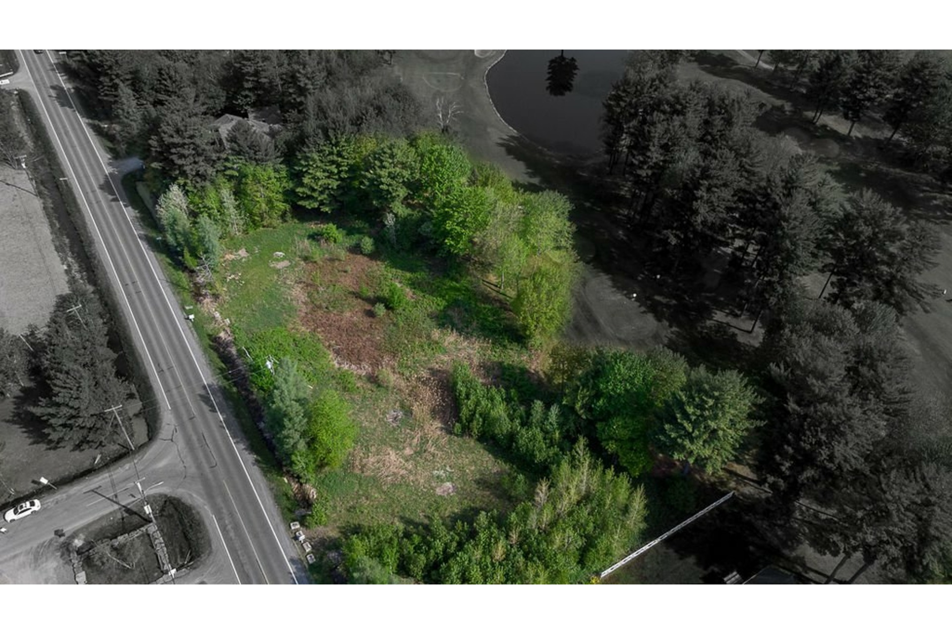 image 2 - Land For sale Sainte-Anne-des-Plaines