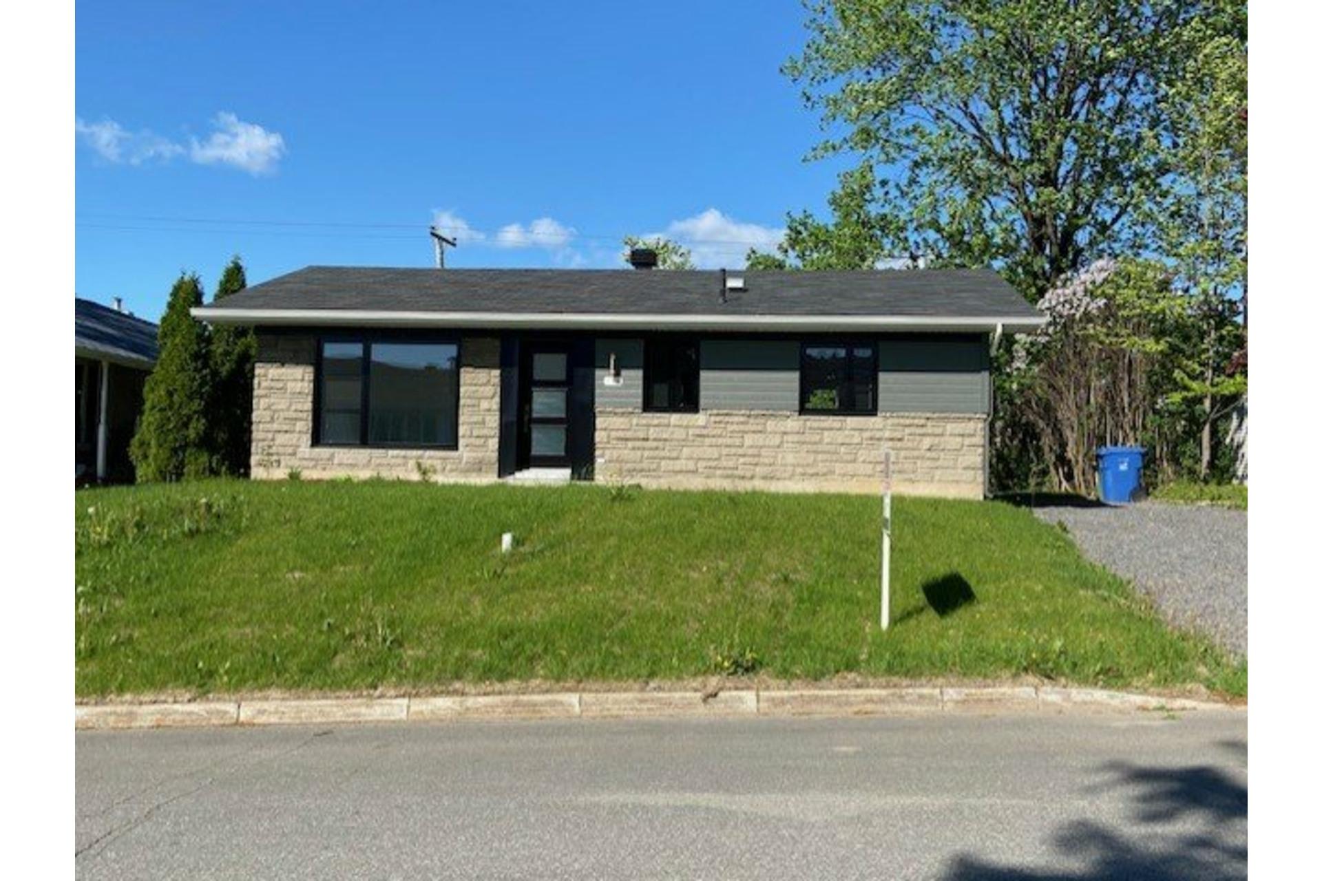 image 0 - House For sale Sainte-Foy/Sillery/Cap-Rouge Québec  - 11 rooms