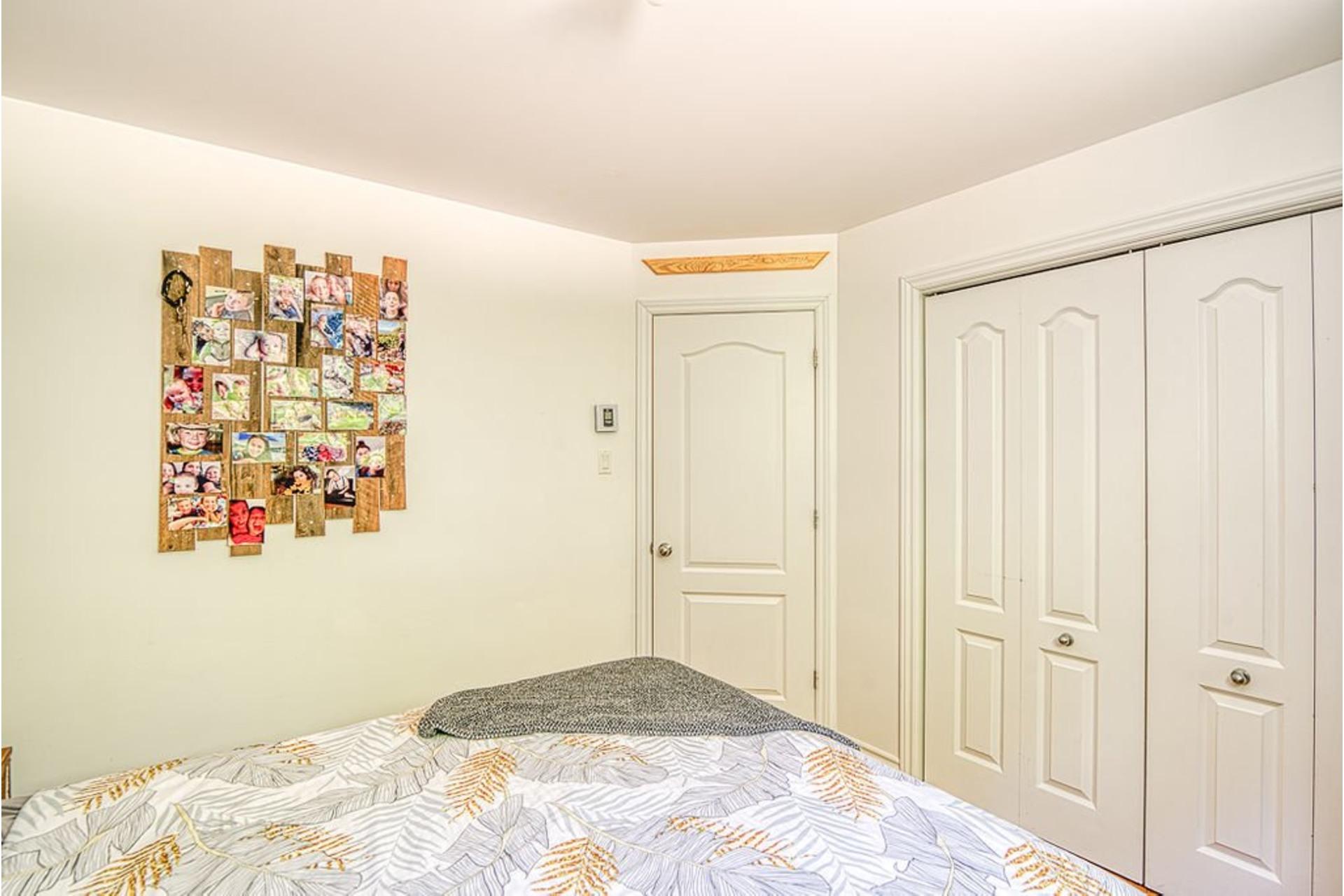 image 19 - Duplex À vendre Saint-Hippolyte - 4 pièces