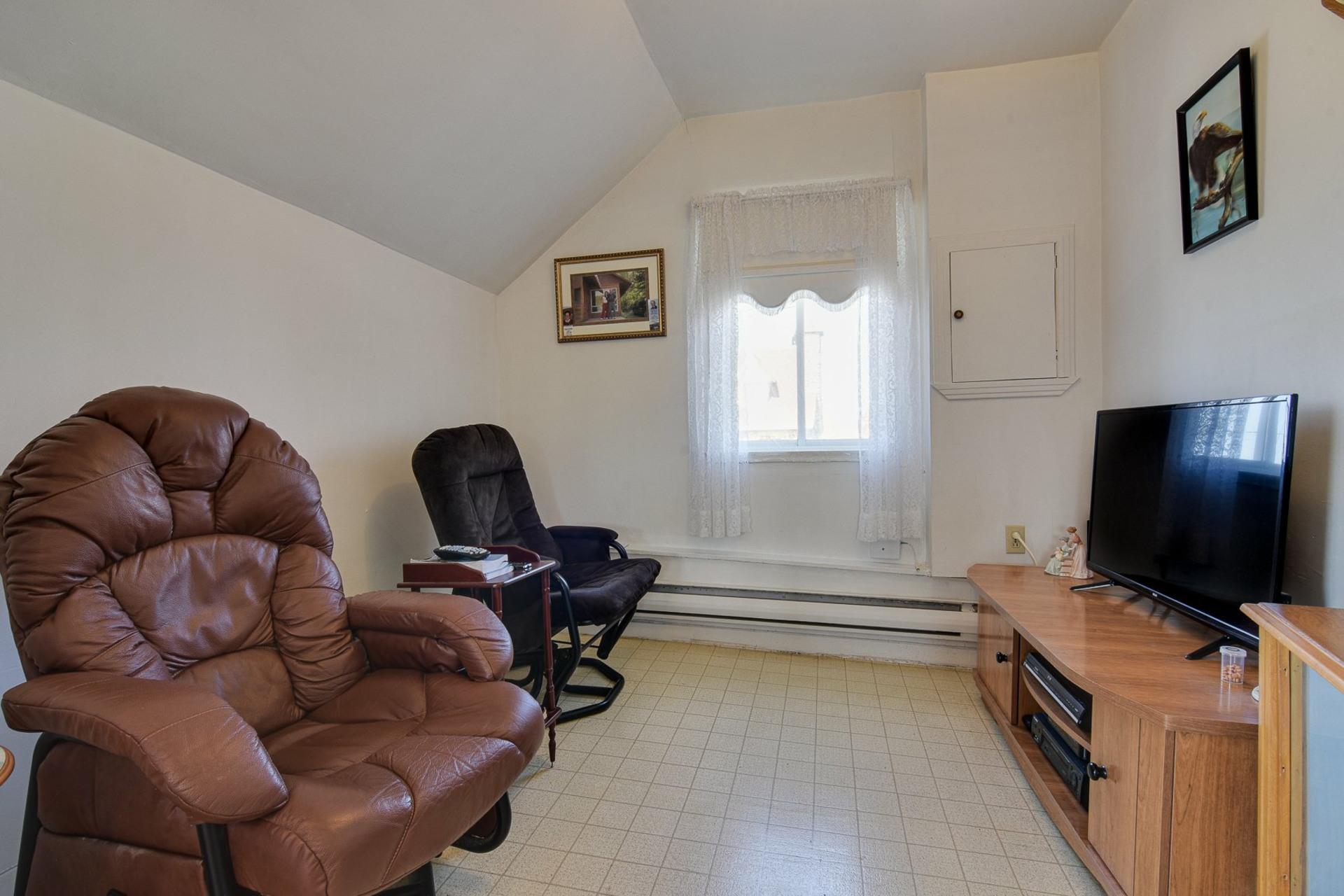 image 25 - Duplex À vendre Sainte-Thècle - 4 pièces
