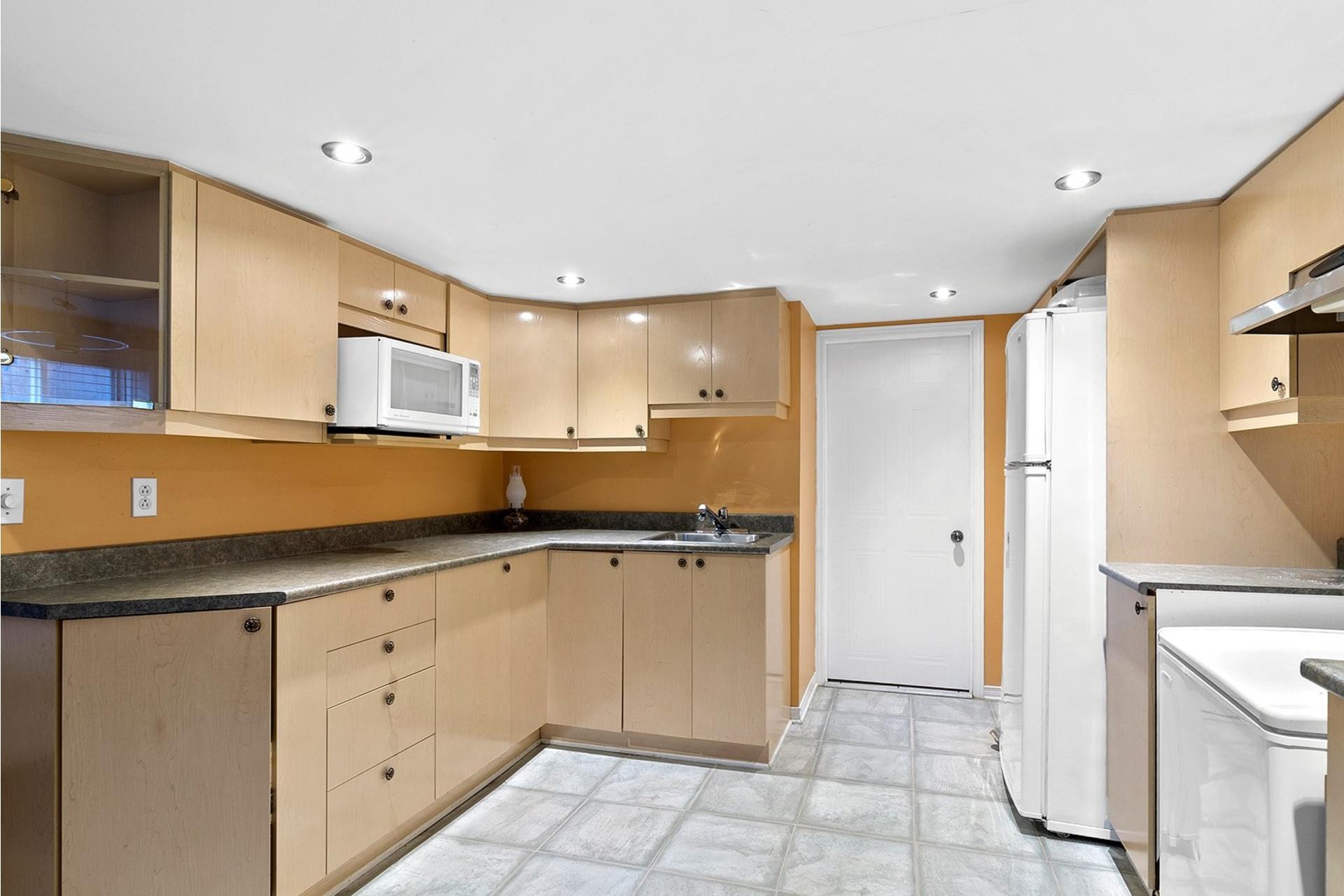 image 18 - House For sale LaSalle Montréal  - 10 rooms