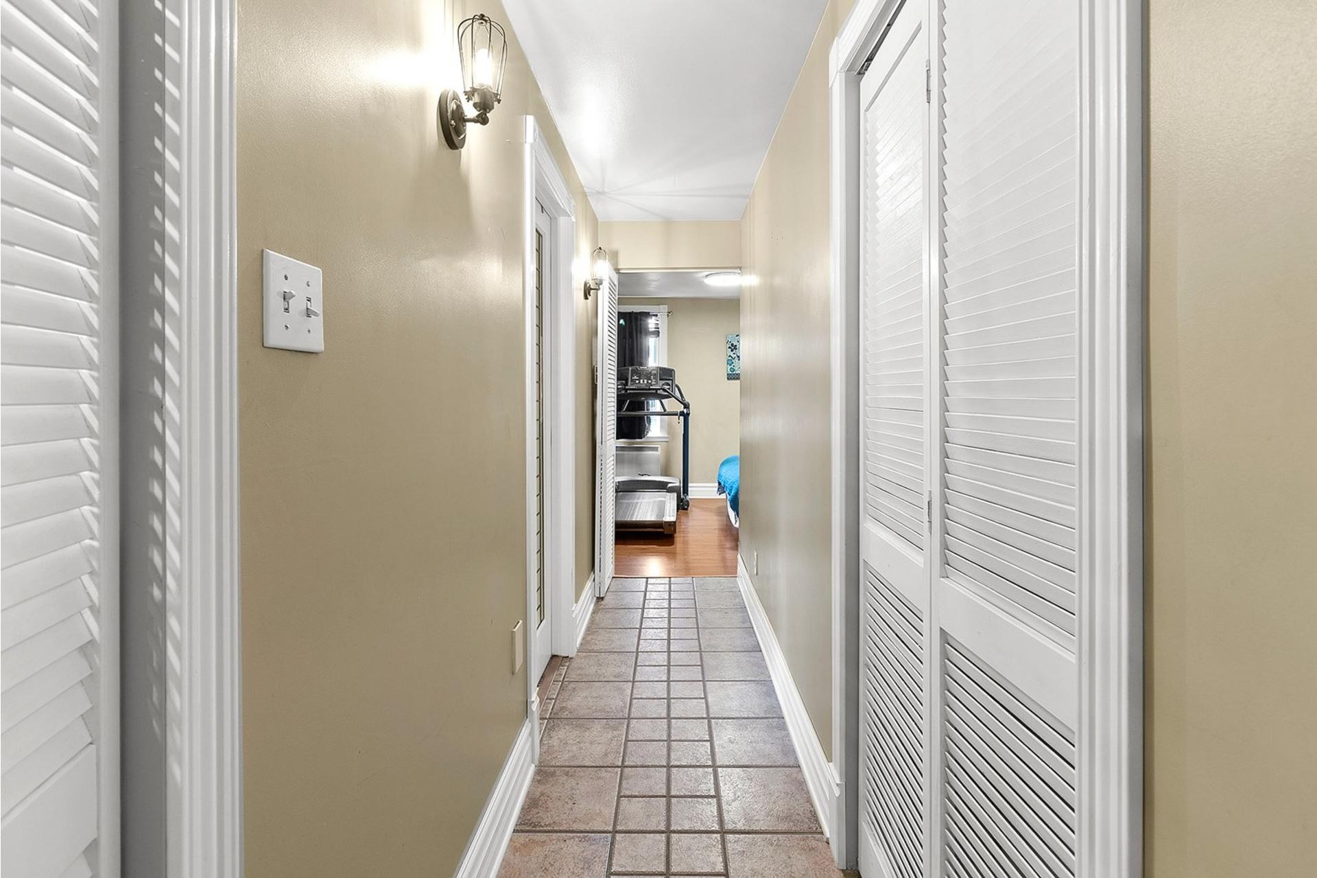 image 13 - House For sale LaSalle Montréal  - 10 rooms