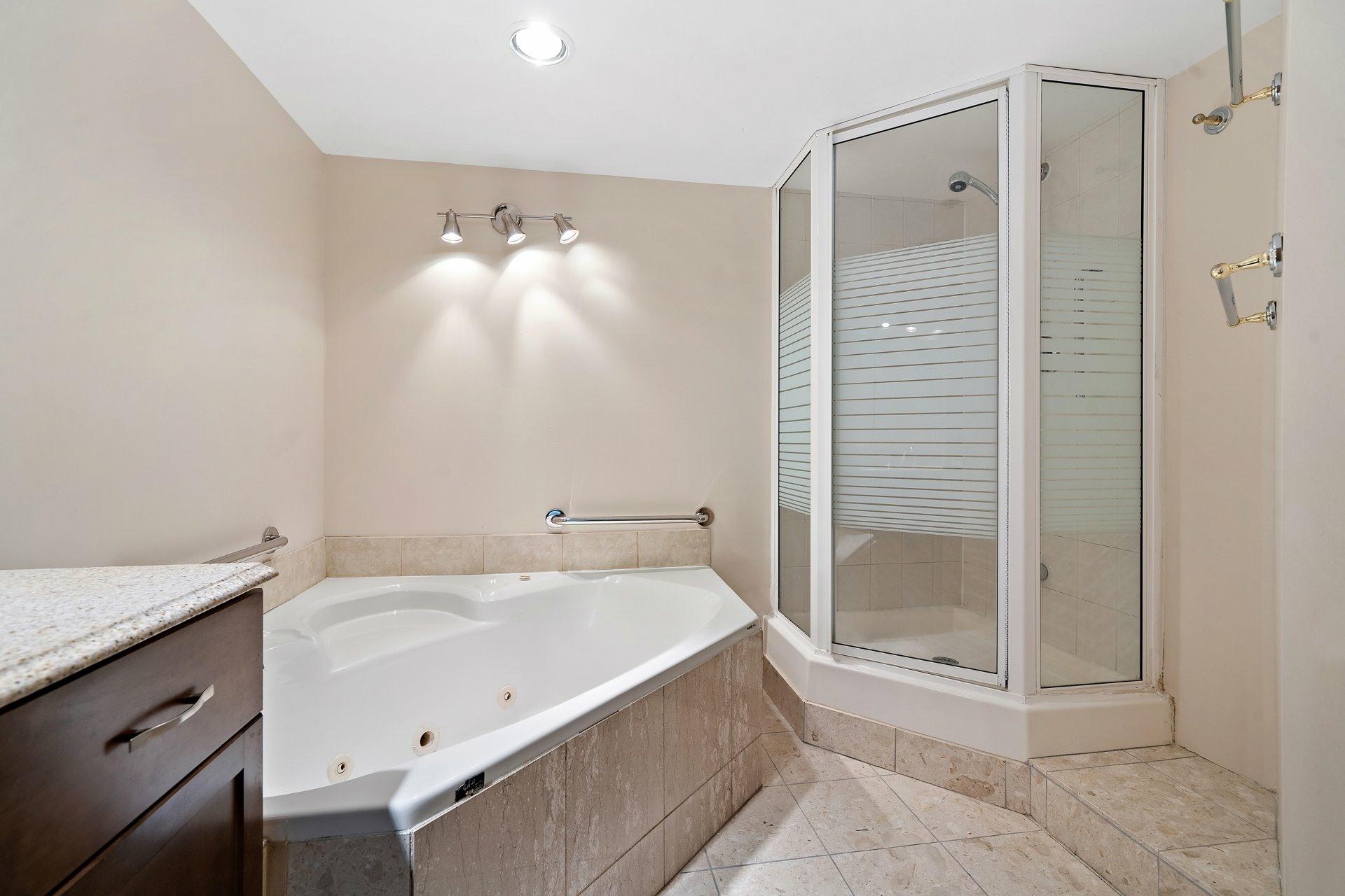 image 16 - Appartement À vendre Westmount - 5 pièces