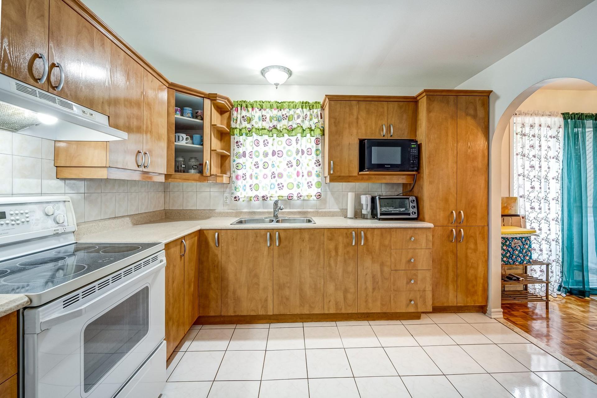 image 4 - House For sale Dollard-Des Ormeaux - 9 rooms