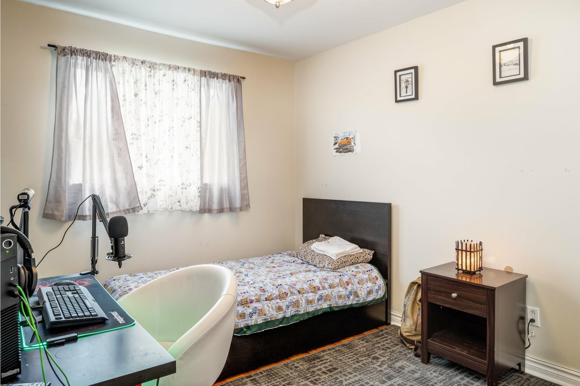 image 9 - House For sale Dollard-Des Ormeaux - 9 rooms