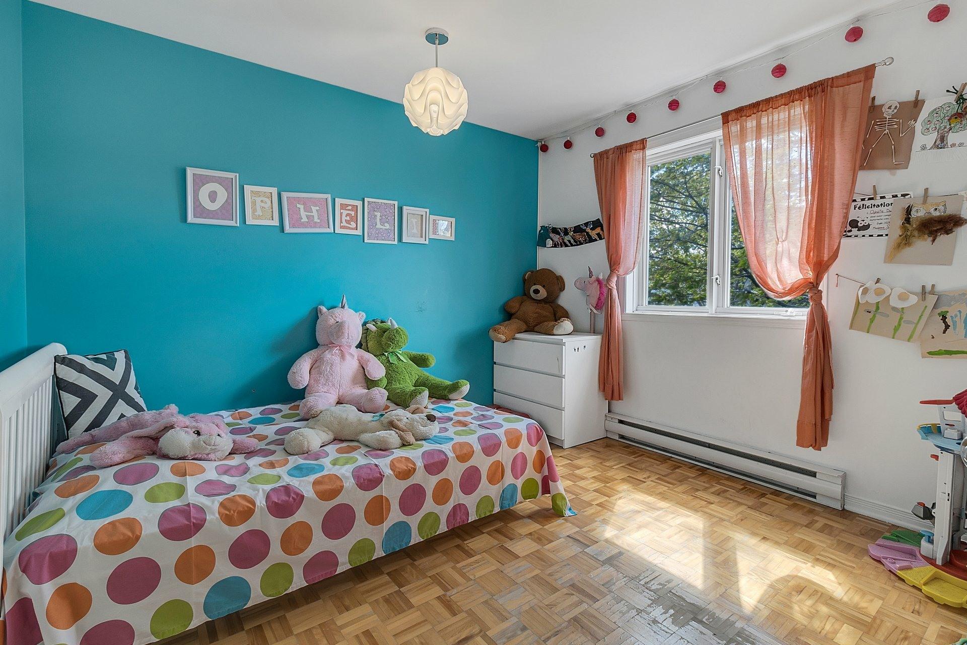 image 12 - House For sale Saint-Eustache - 8 rooms