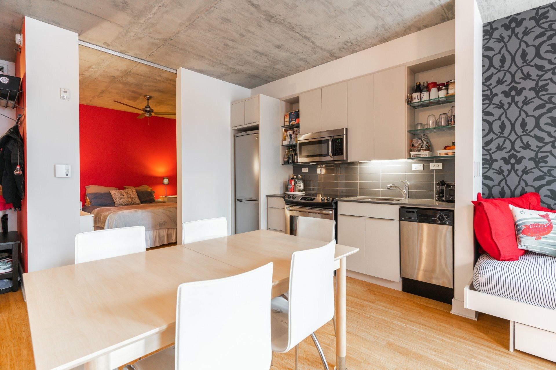 image 9 - Appartement À louer Le Sud-Ouest Montréal  - 5 pièces