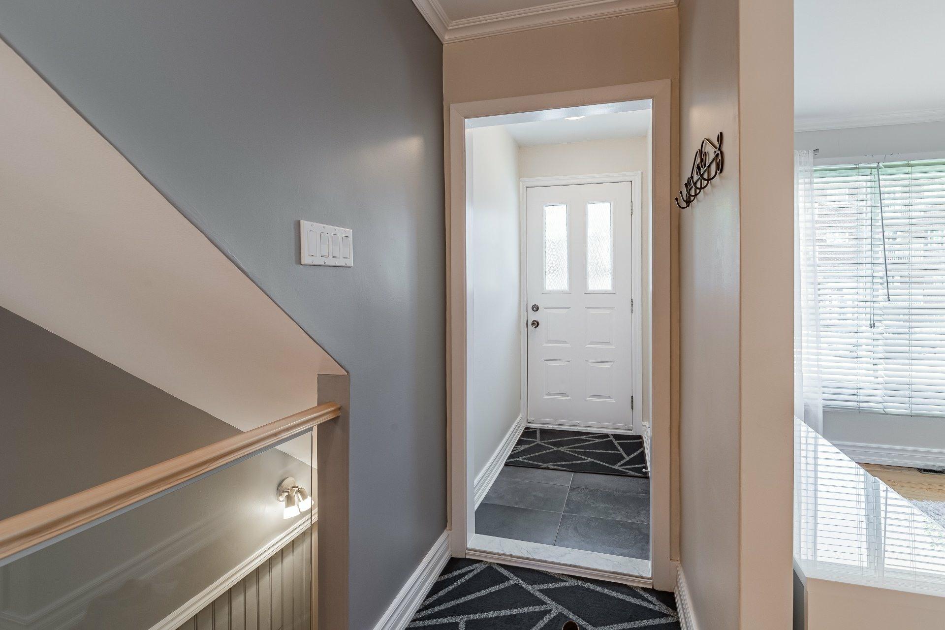 image 3 - Triplex For sale Mercier/Hochelaga-Maisonneuve Montréal  - 6 rooms