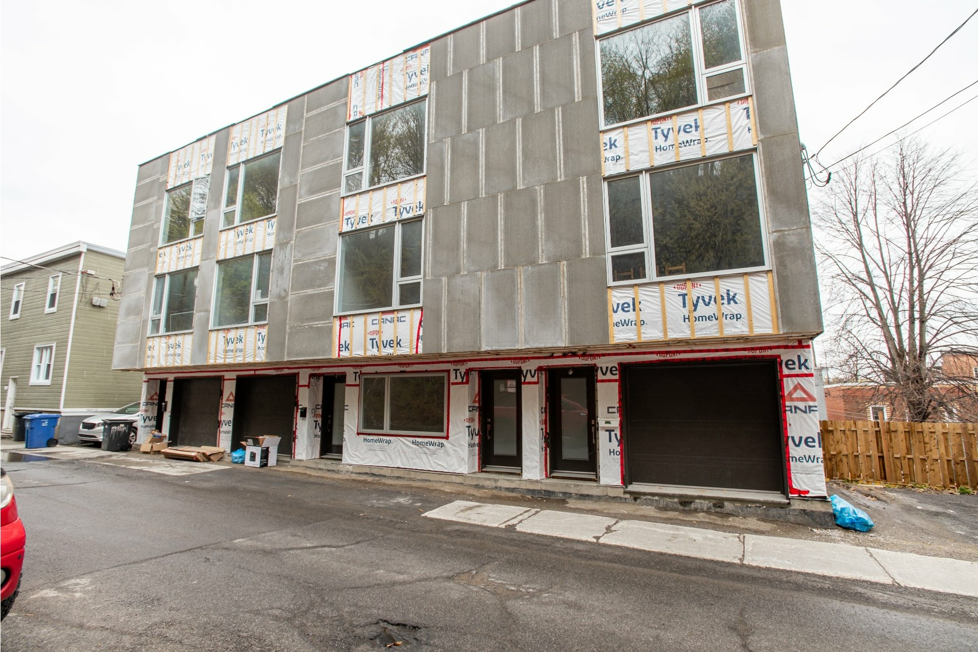 image 1 - House For sale La Cité-Limoilou Québec  - 11 rooms
