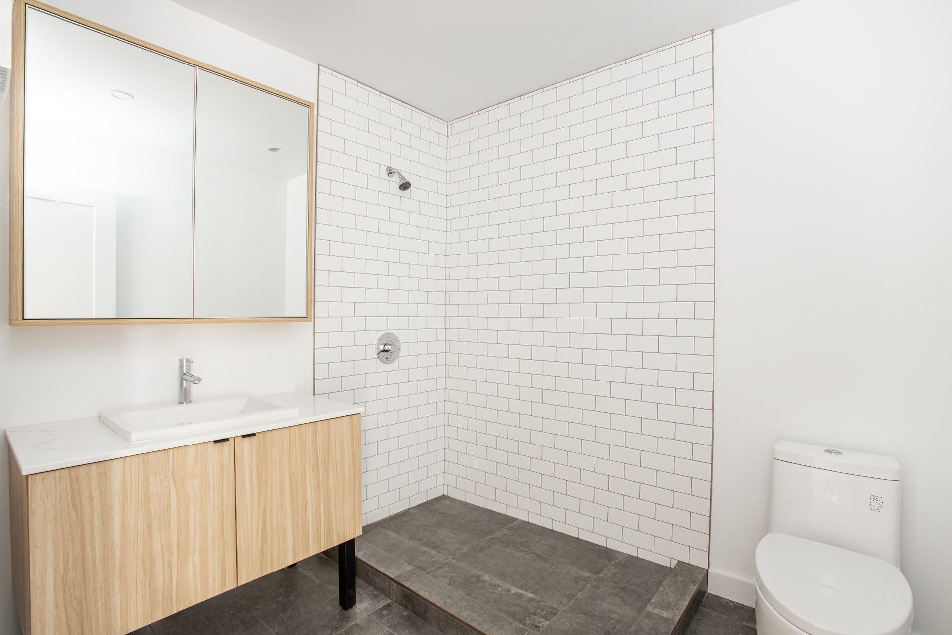 image 13 - House For sale La Cité-Limoilou Québec  - 11 rooms