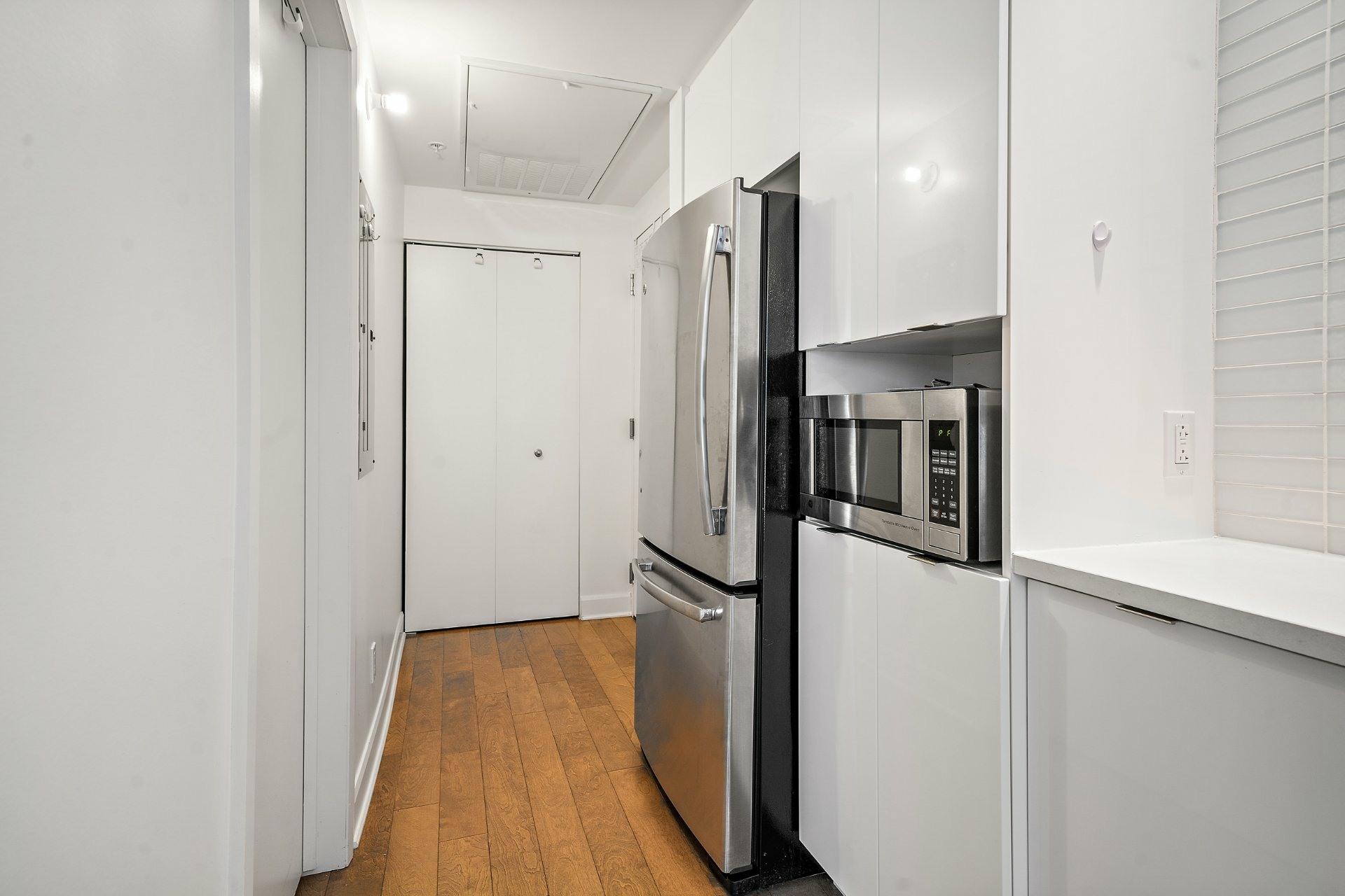 image 4 - Appartement À vendre Ville-Marie Montréal  - 3 pièces