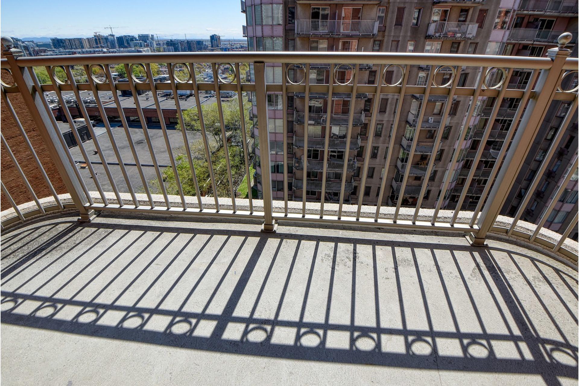 image 11 - Appartement À louer Ville-Marie Montréal  - 4 pièces