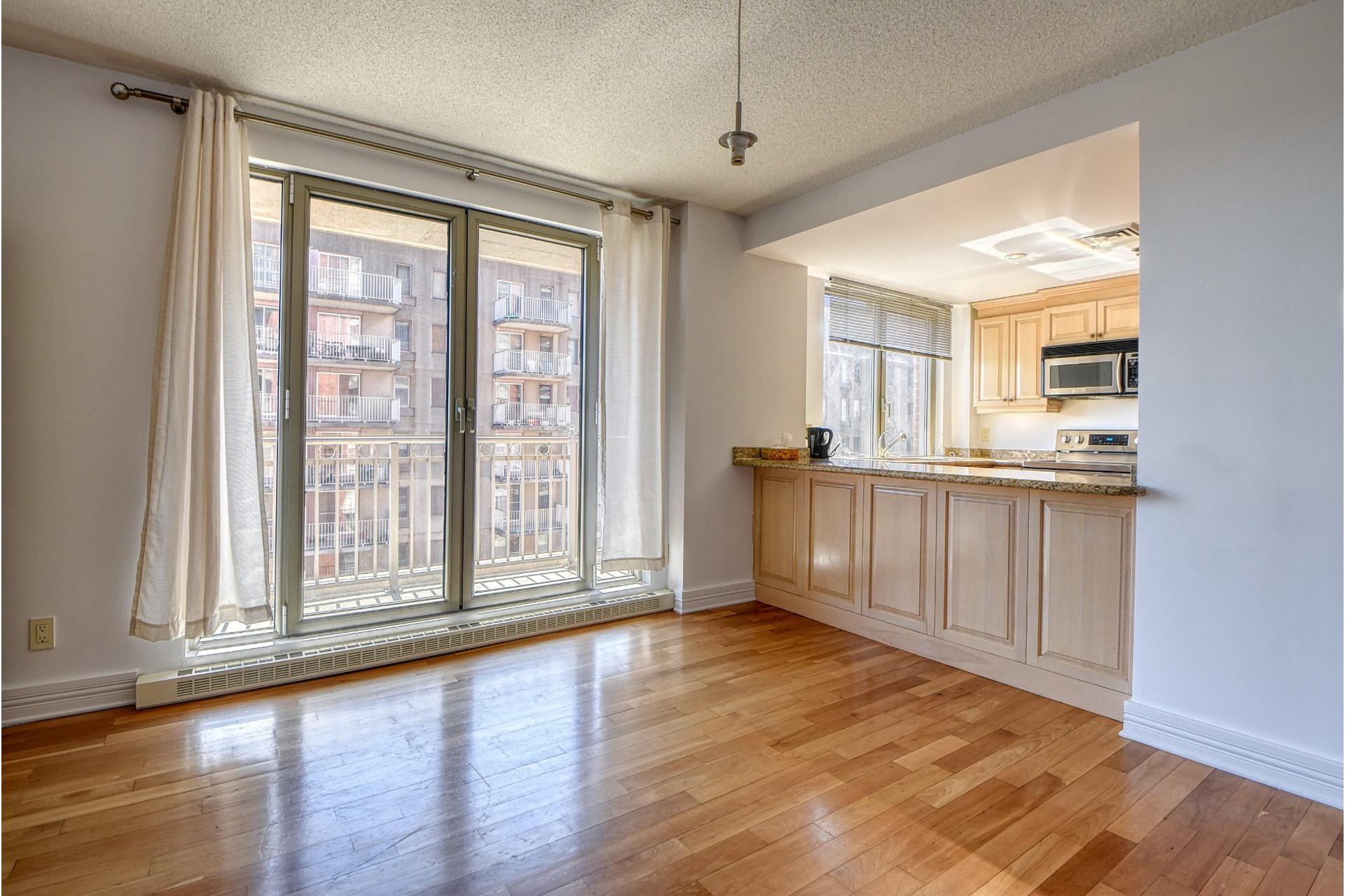 image 4 - Apartment For rent Ville-Marie Montréal  - 4 rooms