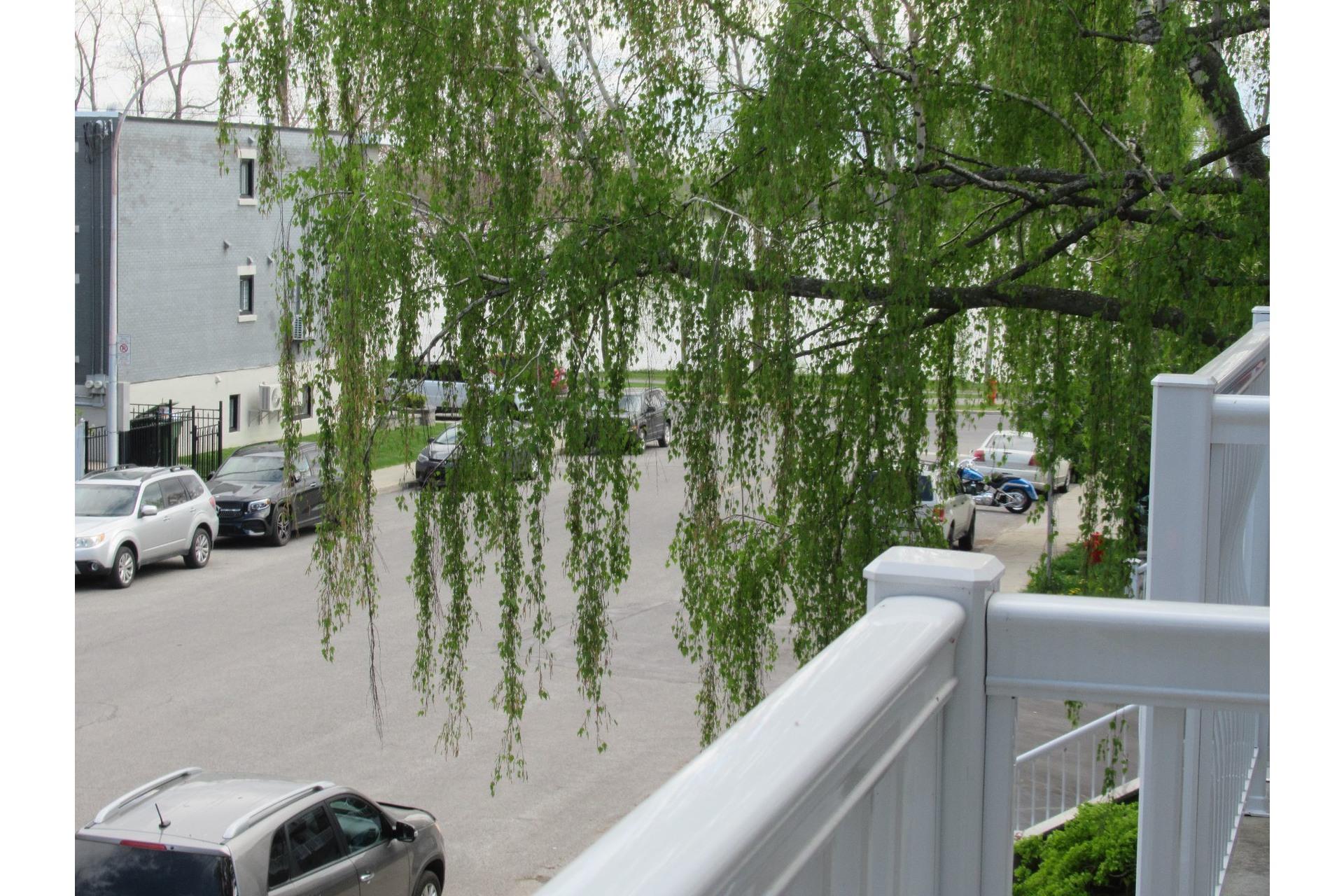 image 8 - Appartement À louer LaSalle Montréal  - 4 pièces