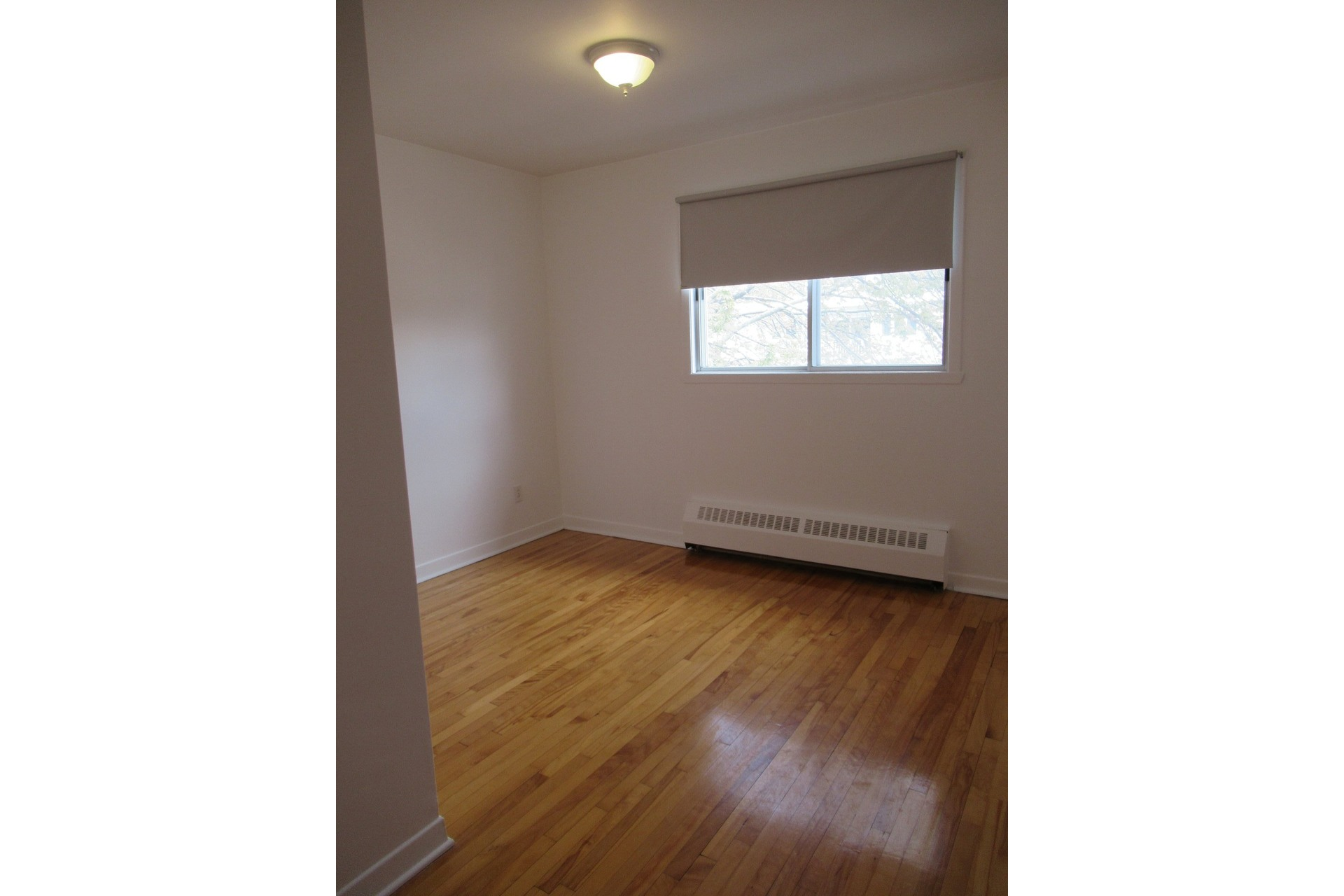 image 5 - Appartement À louer LaSalle Montréal  - 4 pièces