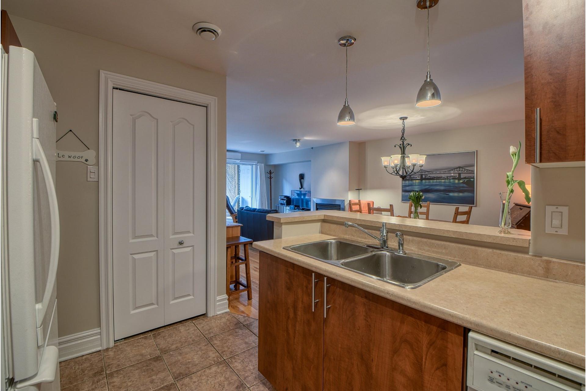 image 7 - Apartment For rent Le Plateau-Mont-Royal Montréal  - 5 rooms
