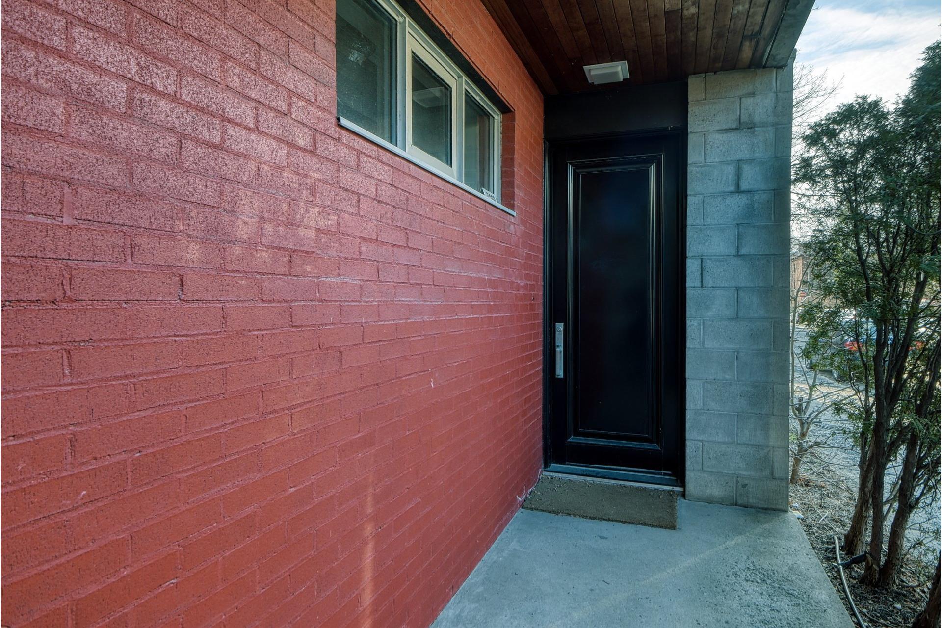 image 2 - Maison À vendre Le Sud-Ouest Montréal  - 10 pièces